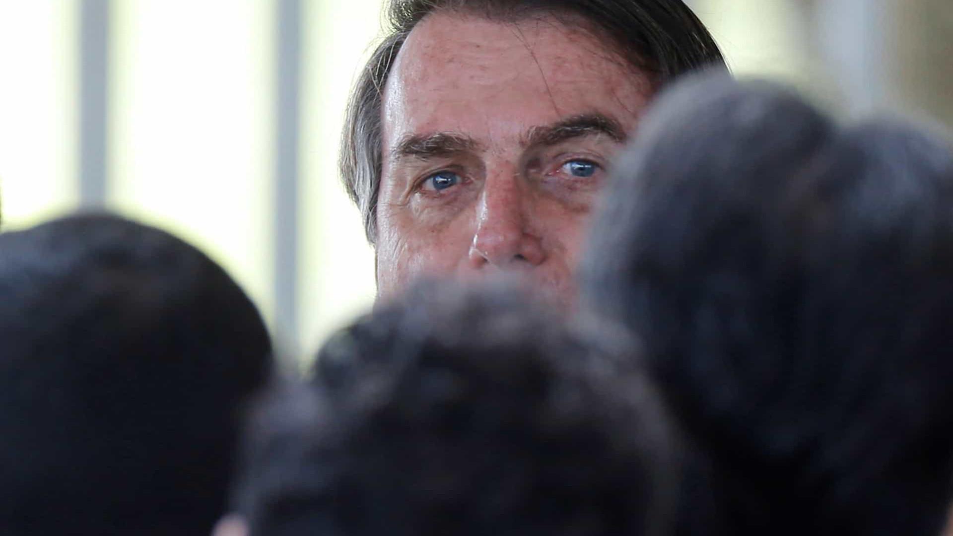 Bolsonaro pede veto ao aumento de salário servidores públicos