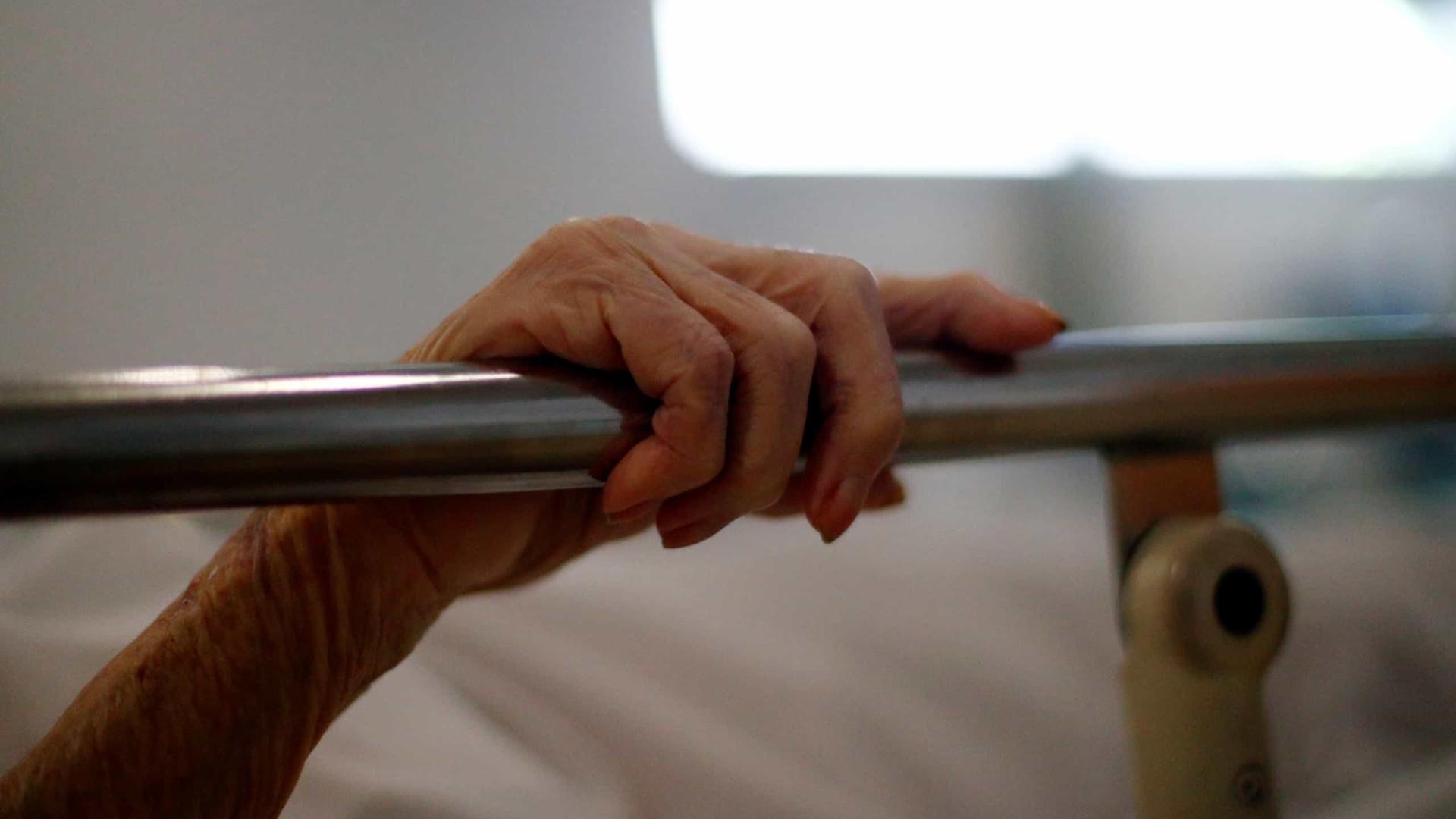 Idoso morre com Covid-19 depois de receber segunda dose da vacina
