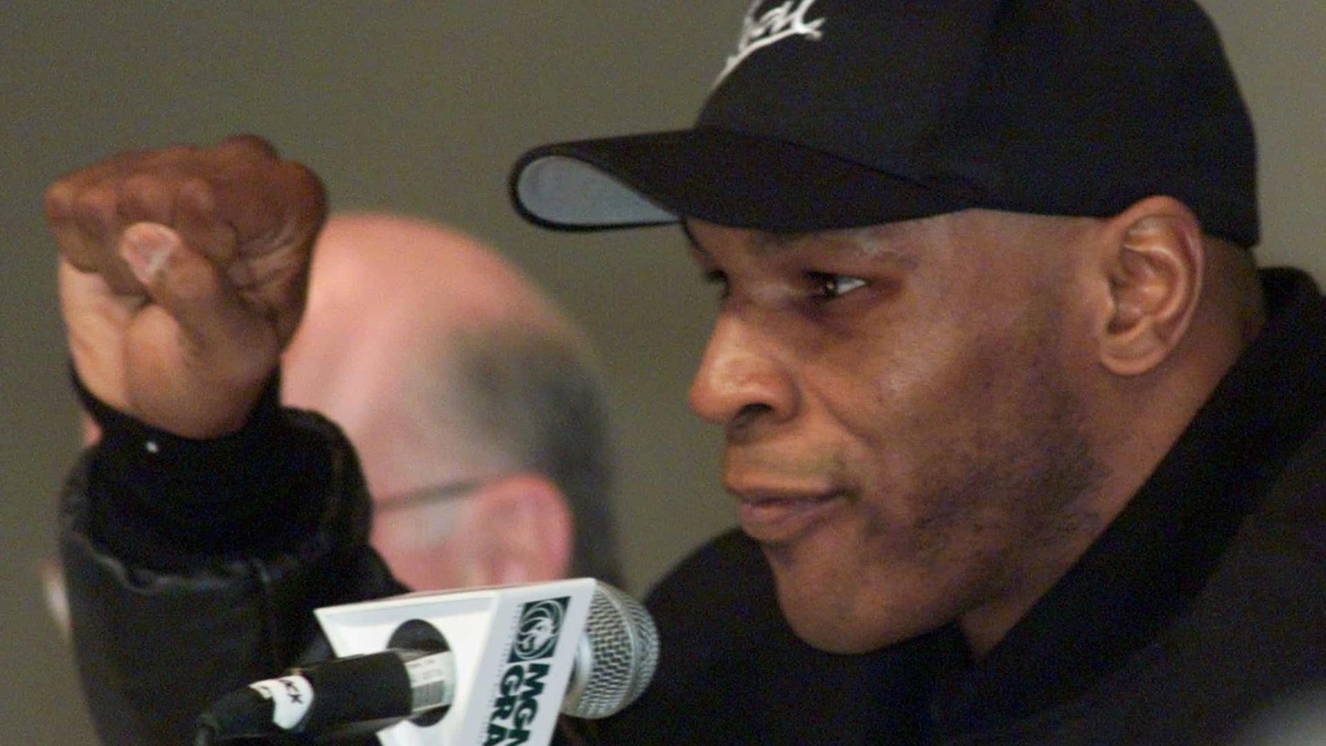 Tyson e Holyfield têm menos de 40 anos fisiologicamente
