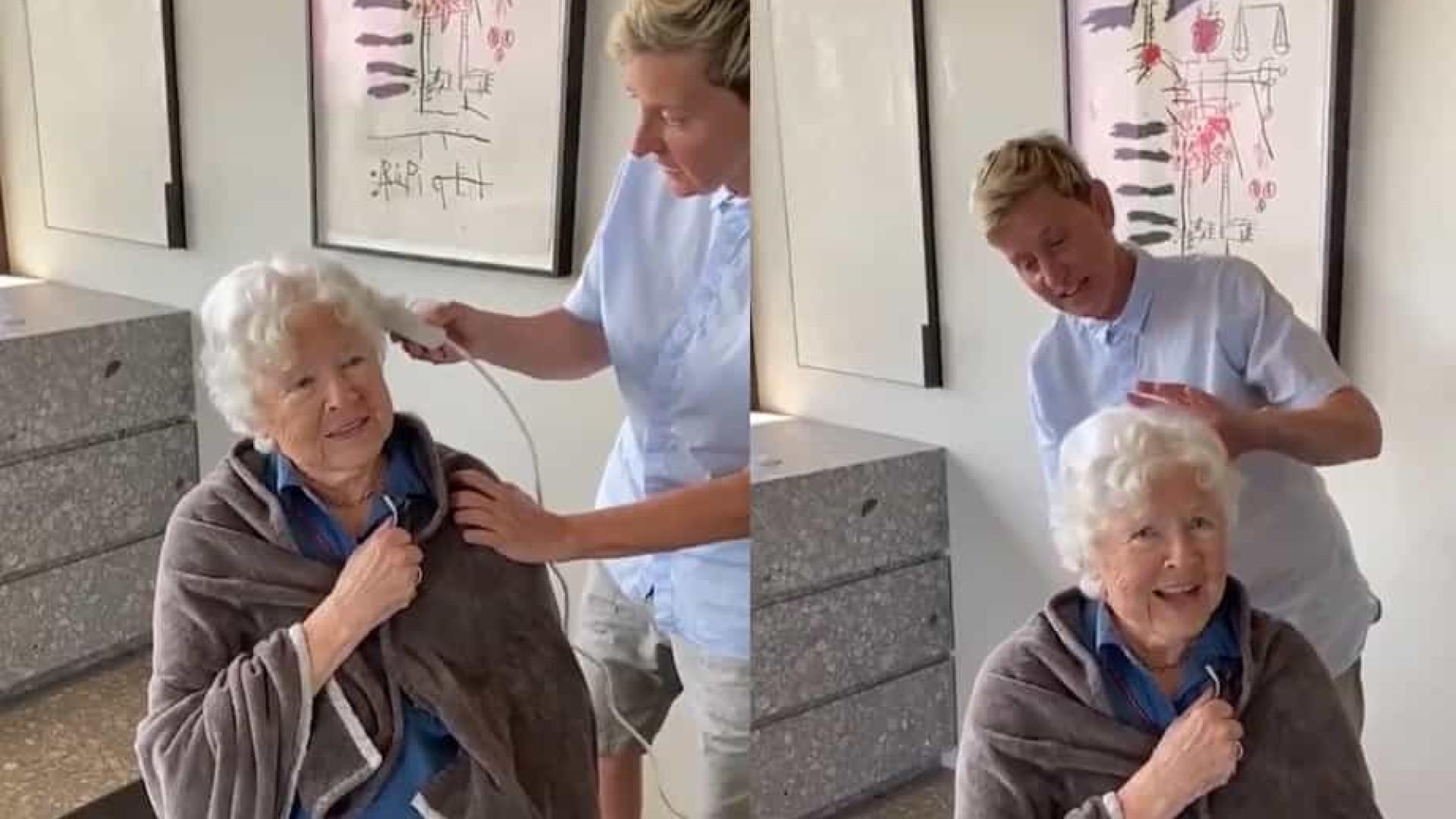 Ellen Degeneres presenteia mãe no seu aniversário com corte de cabelo