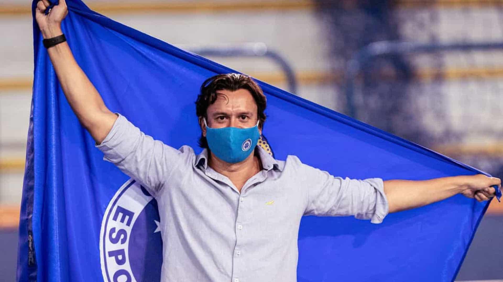 Novo presidente paga dívida do Cruzeiro e evita perda de pontos