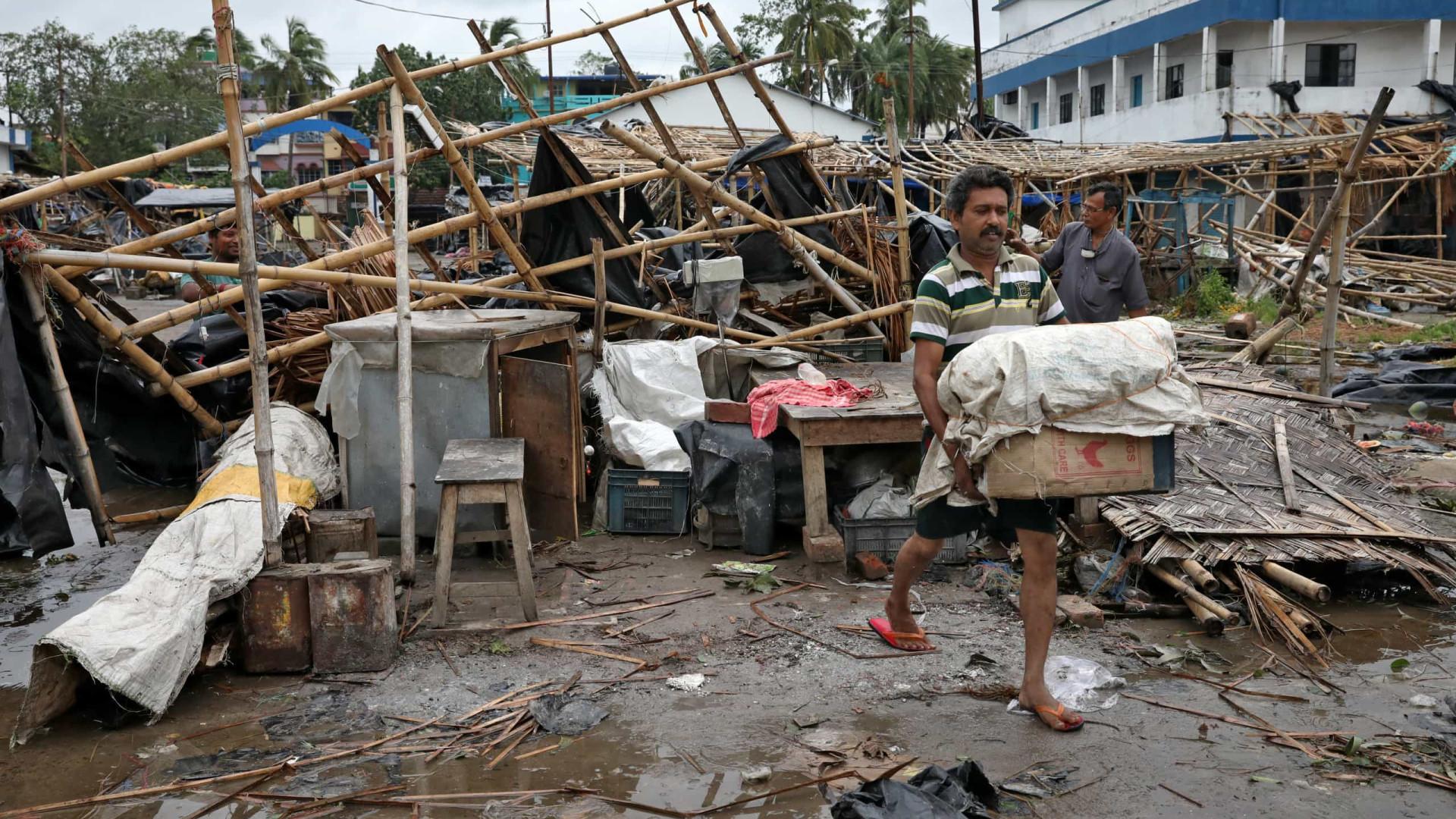 Número de mortos por superciclone sobe para 82 na Índia e em Bangladesh