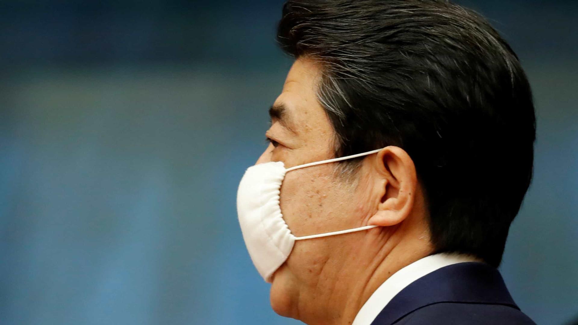 Primeiro-ministro japonês exige Olimpíada 'ideal' e com vacina