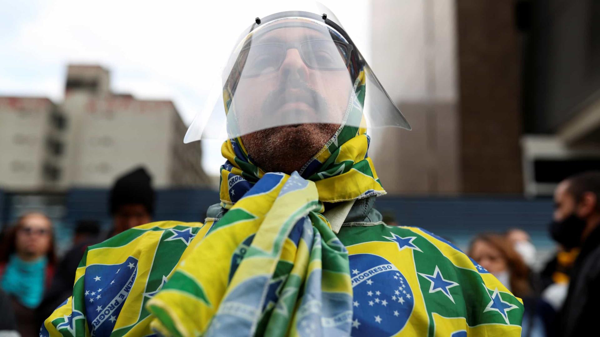Brasil torna-se o quarto país com mais óbitos com 956 mortes