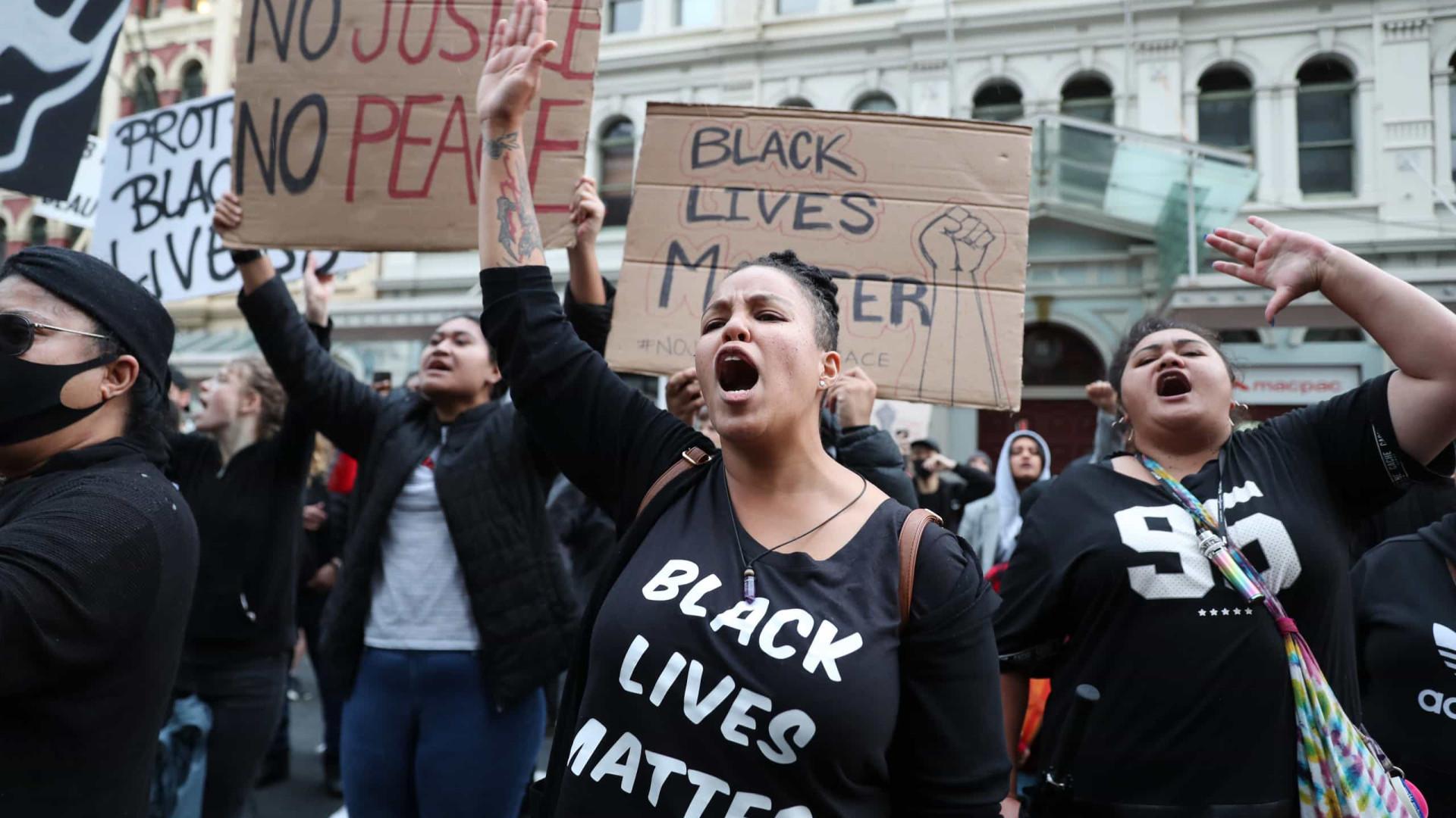 Atos contra racismo ignoram as autoridades, e EUA veem cenas de guerra