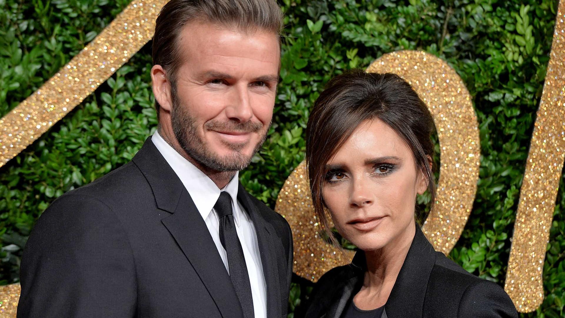 David e Victoria Beckham assinam acordo de R$ 120 milhões para documentário, diz site