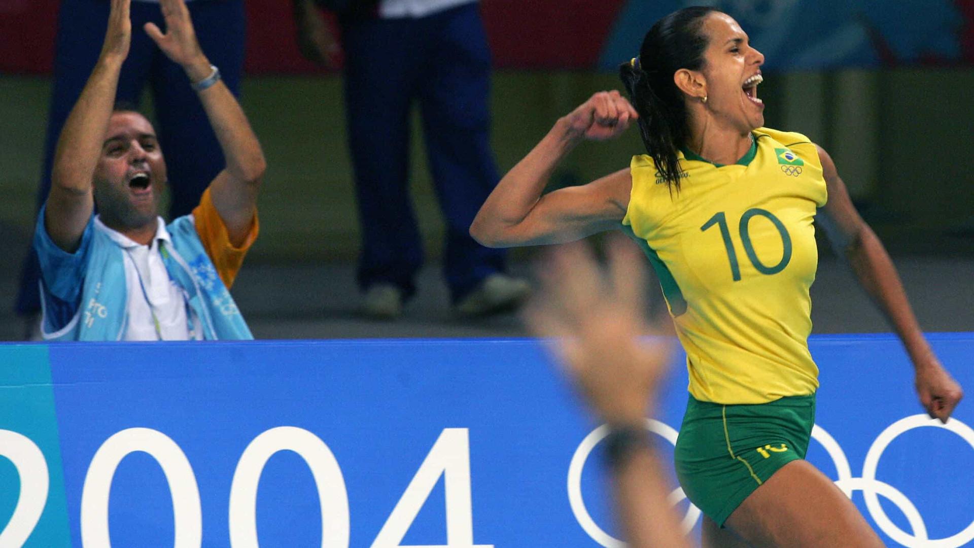 Covid-19: Virna, medalhista olímpica no vôlei, testa positivo