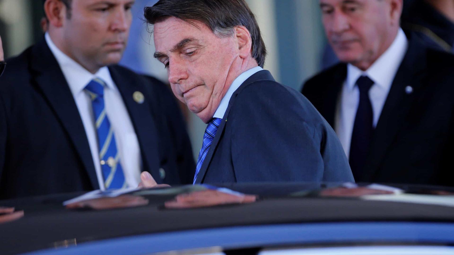 Bolsonaro veta R$ 8,6 bi para estados e municípios combaterem a Covid