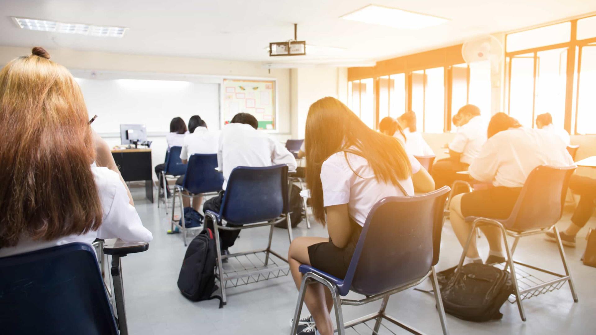 Escolas deverão ter volta alternada com aulas presenciais e a distância