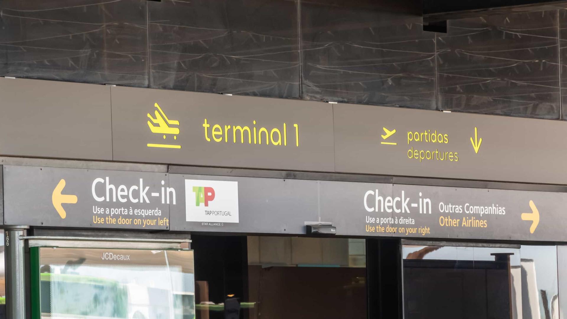 Bloqueio de voos deixa brasileiros sem condições de ficar em Portugal