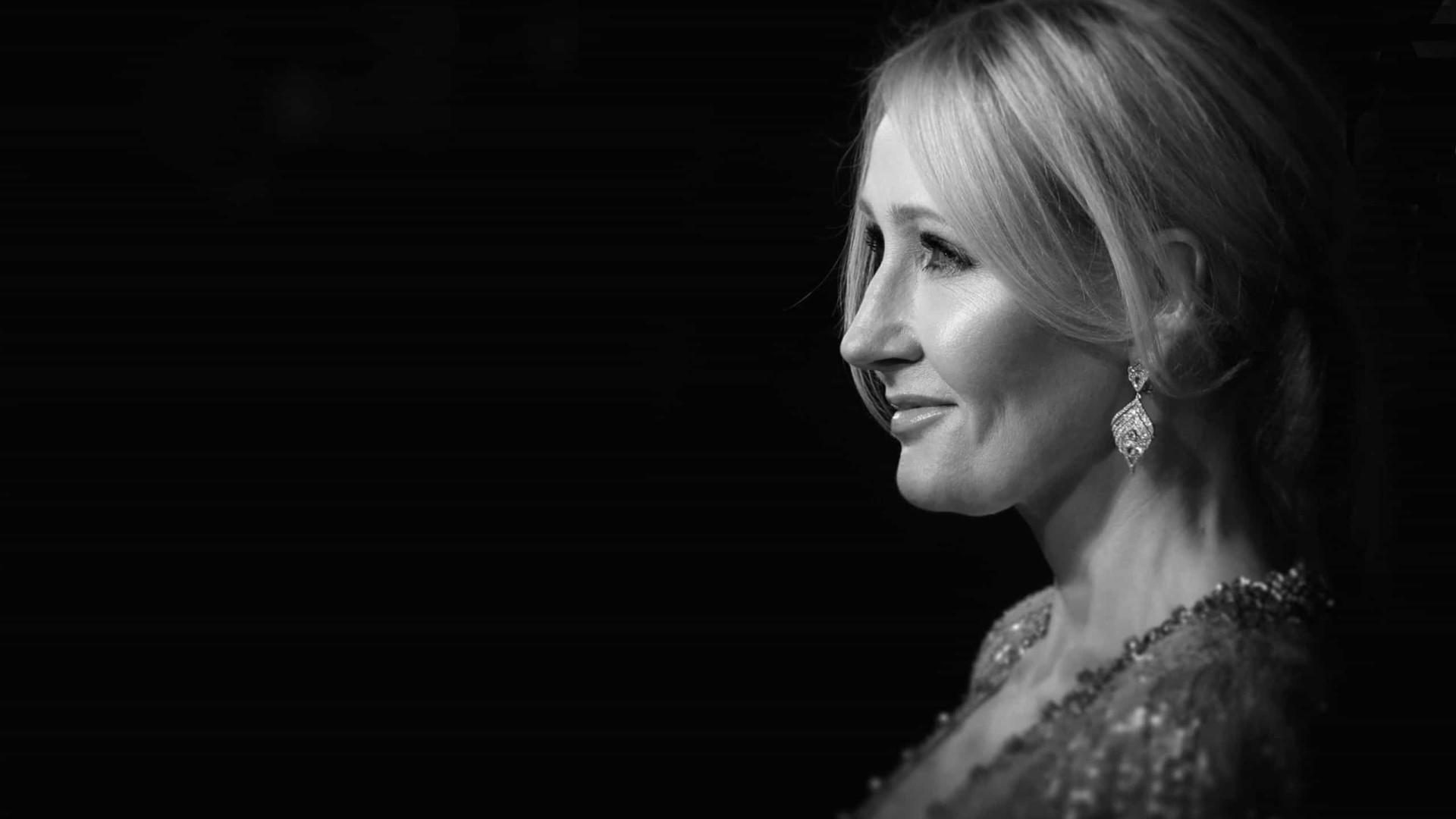 Autores deixam agência de JK Rowling após declaração transfóbica