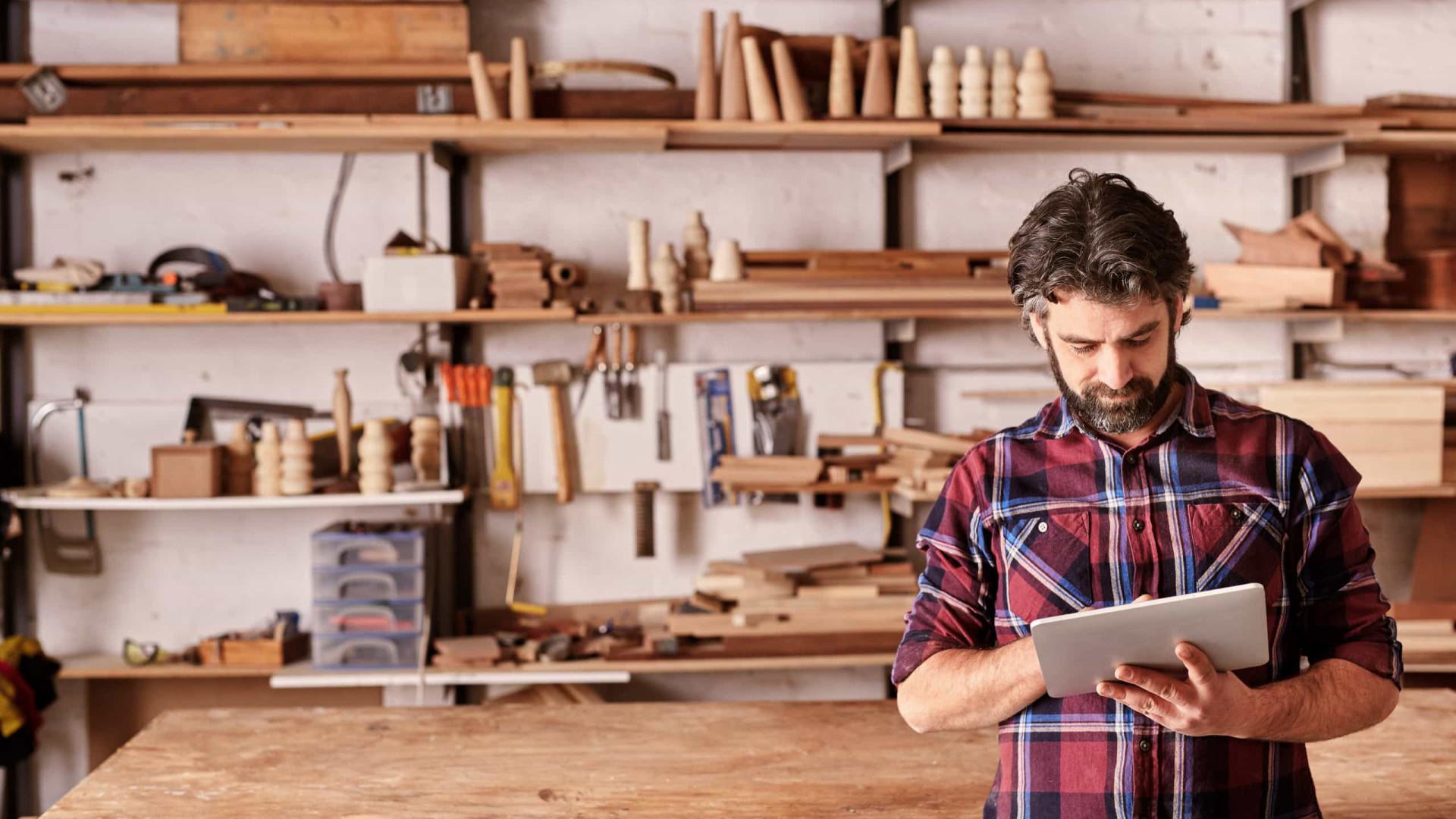 Pequenos negócios oferecem novos produtos e adotam venda online