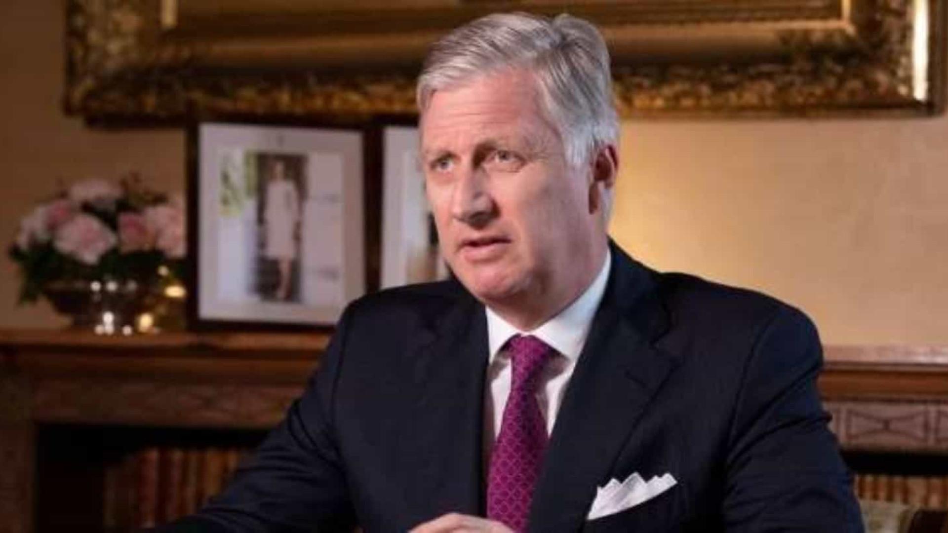 Família real belga se desculpa por colonização na África