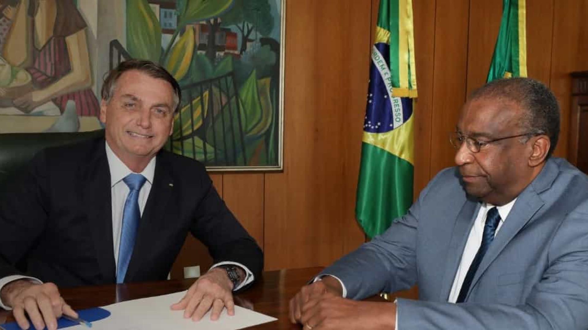 Decotelli apresenta carta de demissão a Bolsonaro