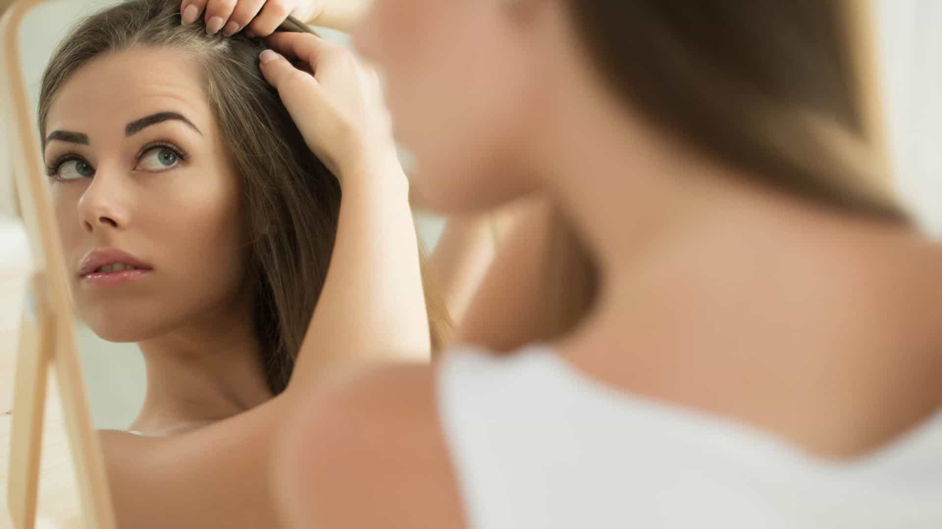 Sofre de queda de cabelo? Tome estas três vitaminas