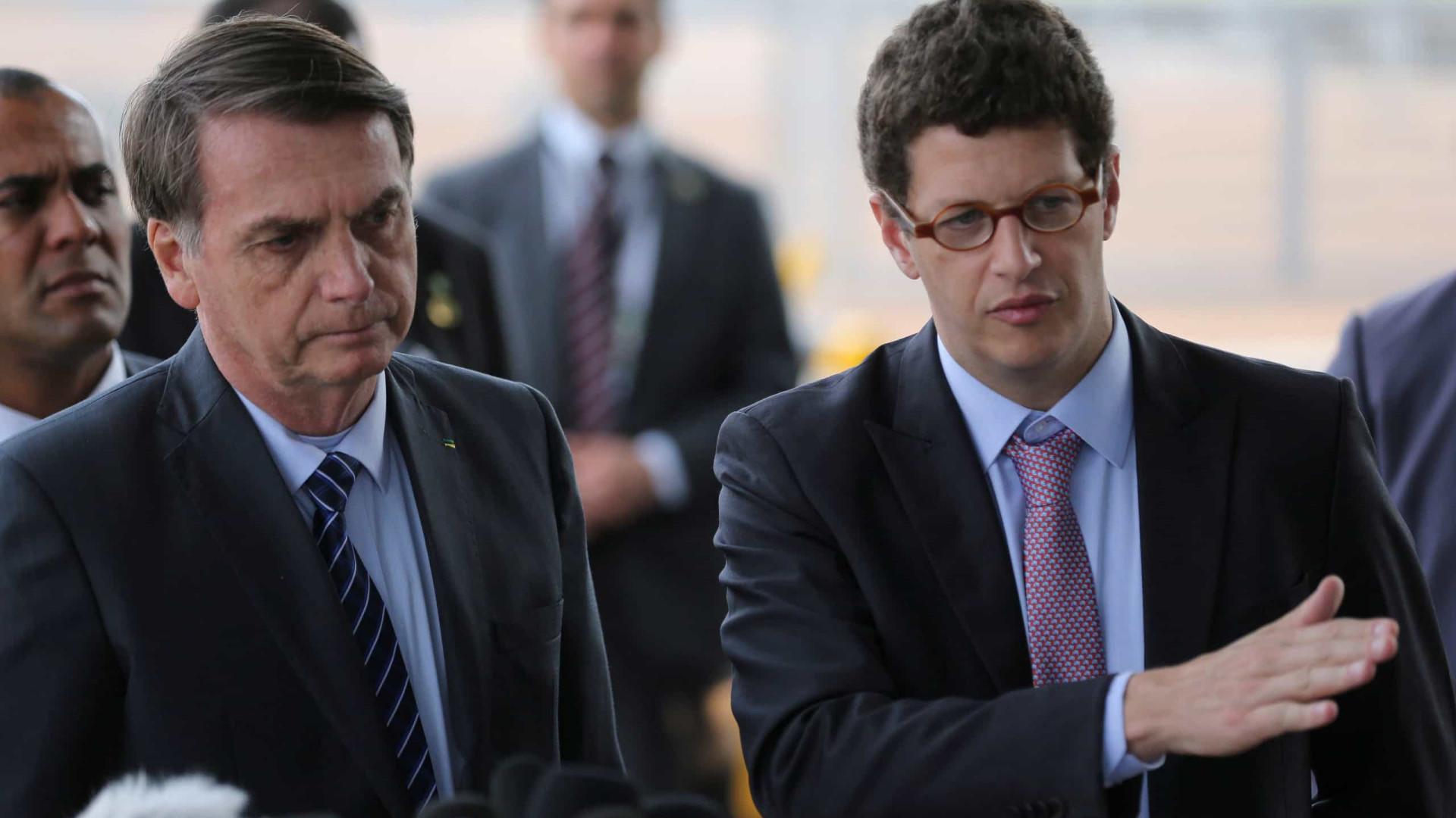 Alvo de investigações, Ricardo Salles deixa Ministério do Meio Ambiente