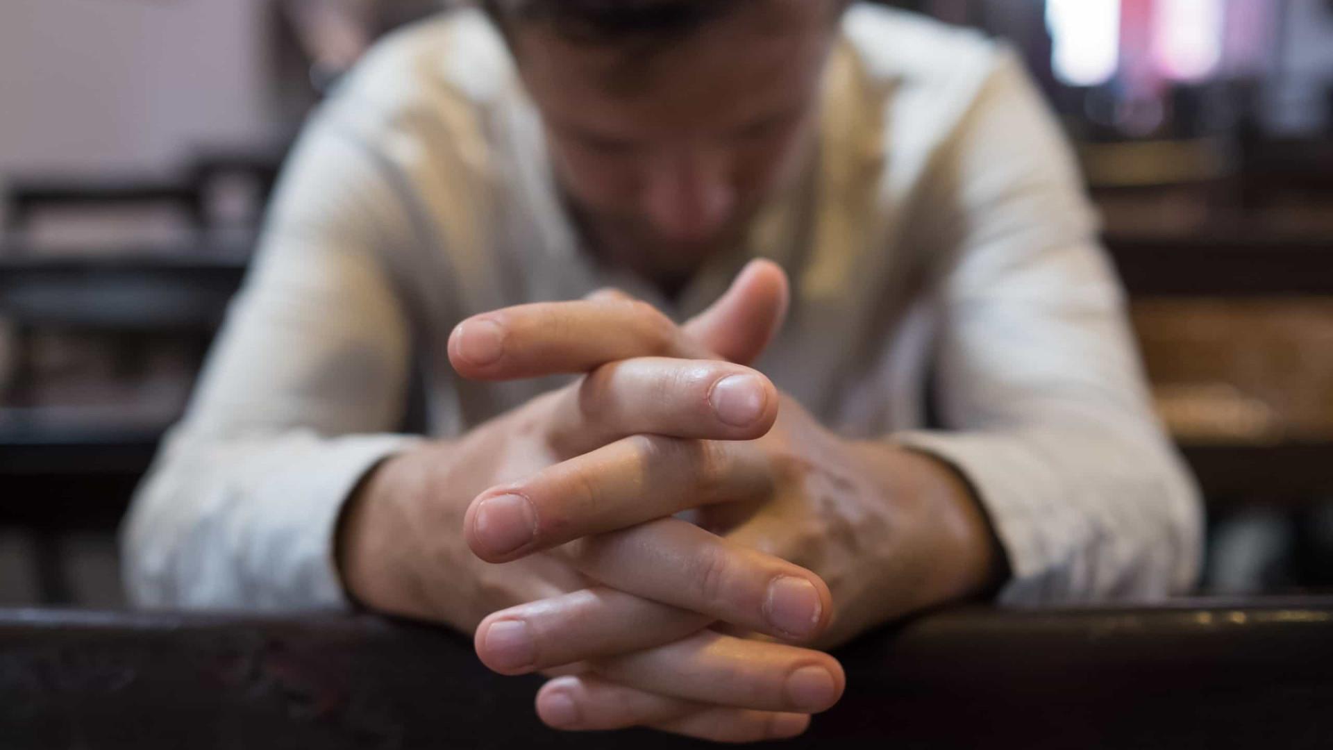 Religiosos formam rede de desinformação sobre covid