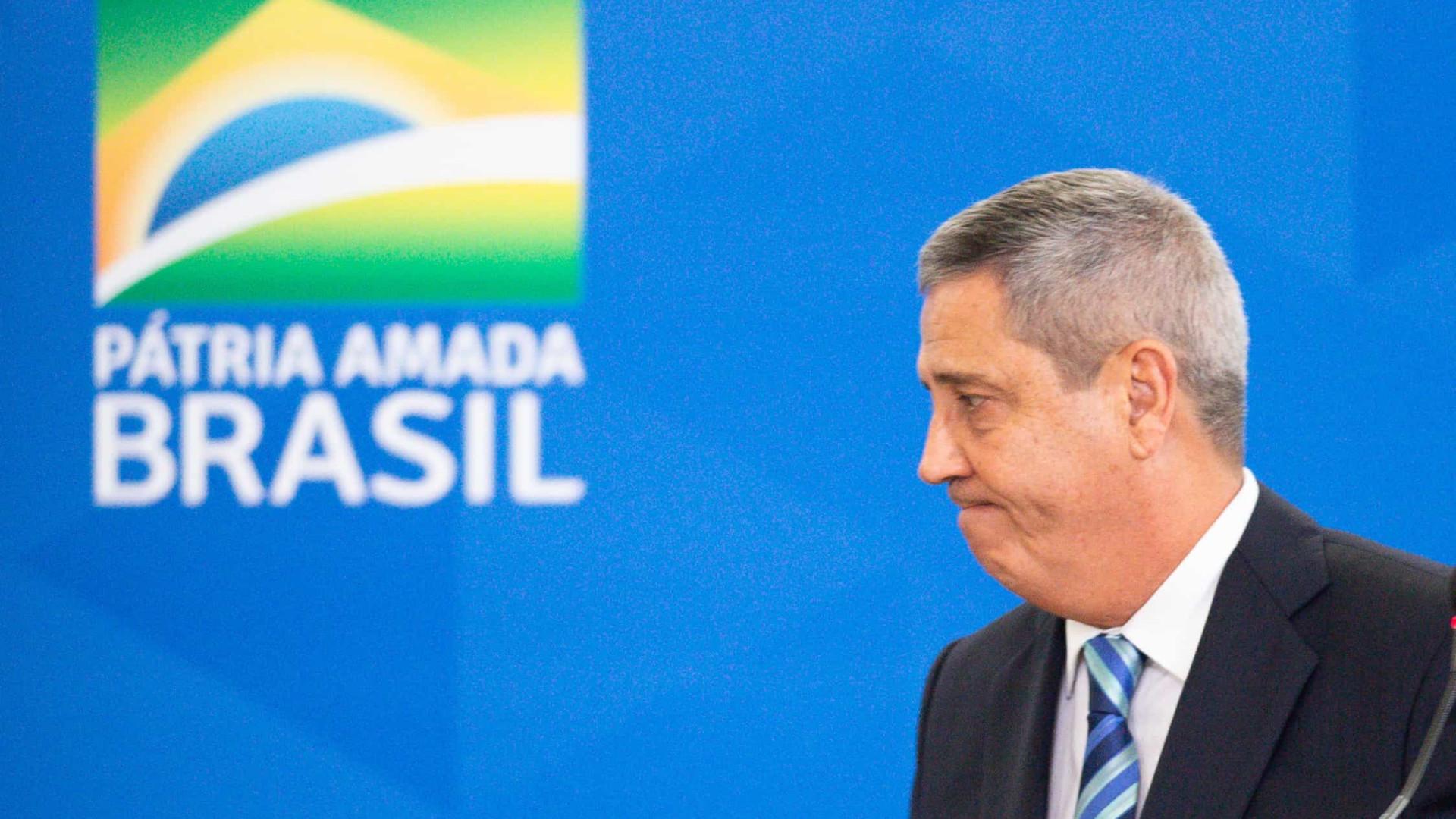 Defesa cumprirá orientação do presidente dentro da Constituição, diz Braga Netto