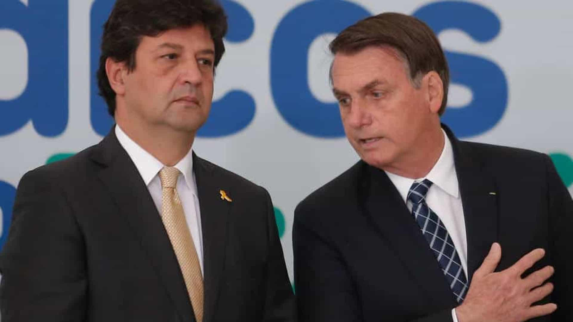 """Bolsonaro: fala de Mandetta sobre """"trezoitão"""" iria contra profissão de médico"""