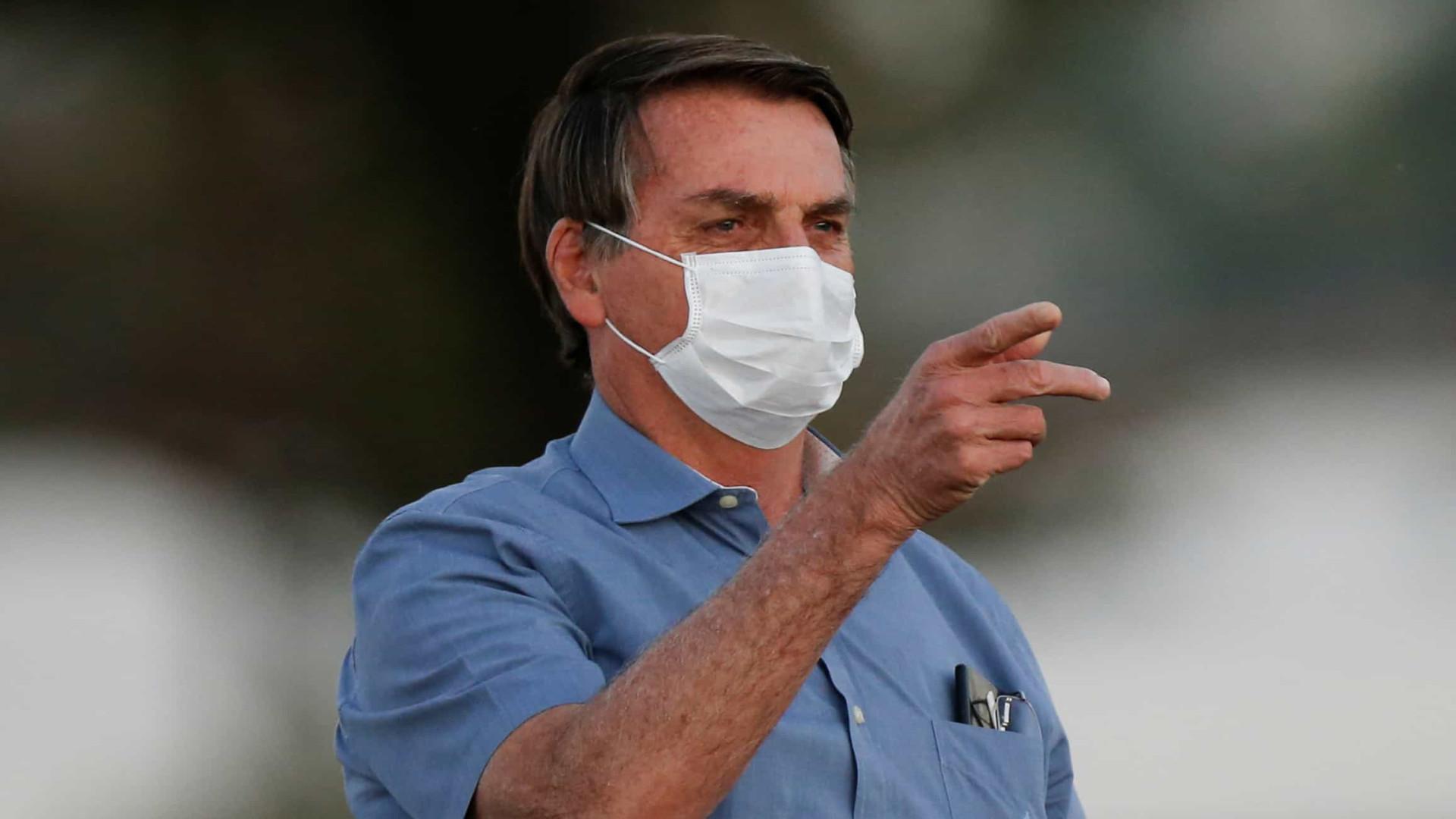 Bolsonaro: AM não informou fim de oxigênio e governo foi além do que deveria