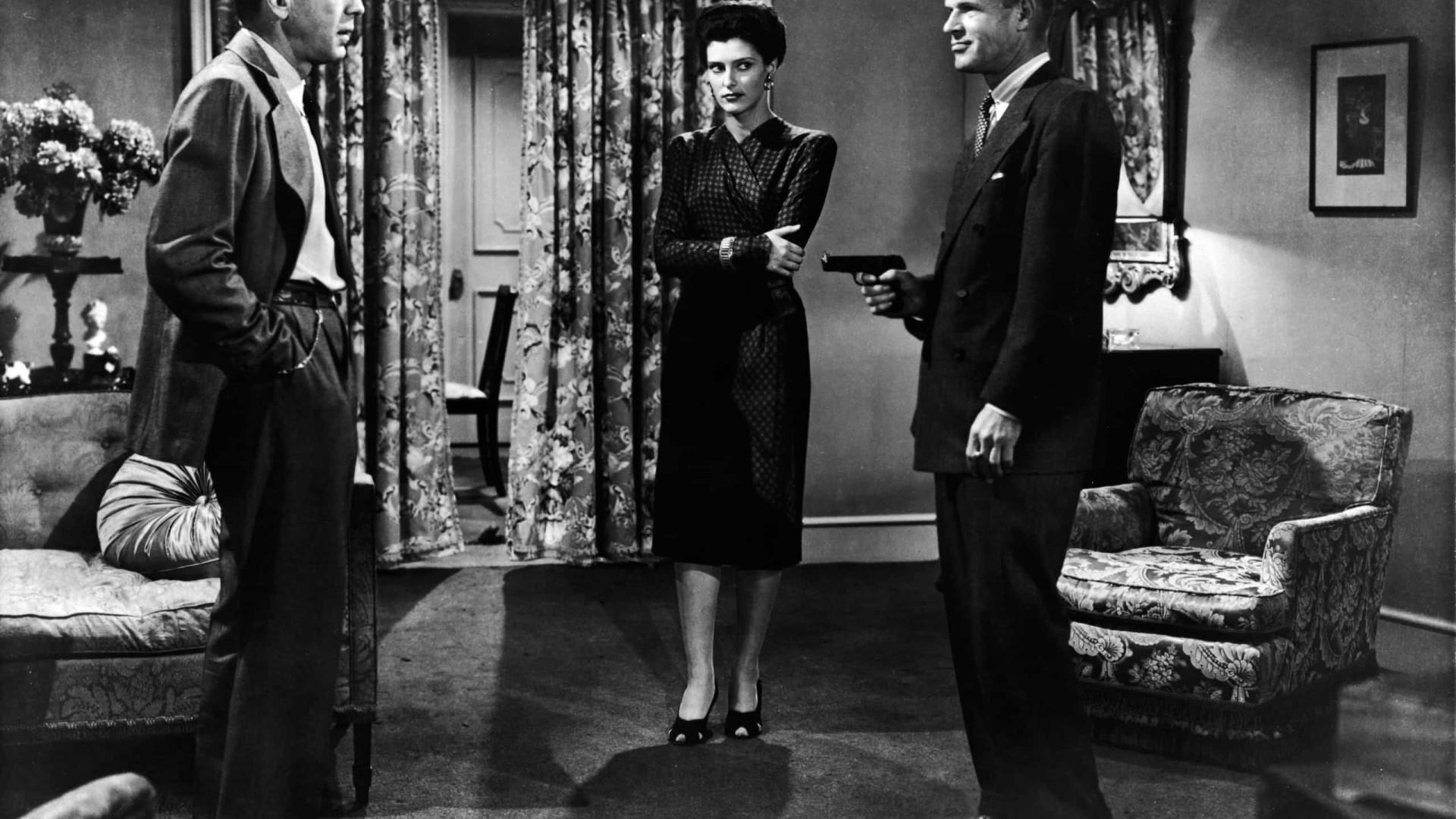Morre a atriz Sonia Darrin, de 'The Big Sleep'. Tinha 96 anos