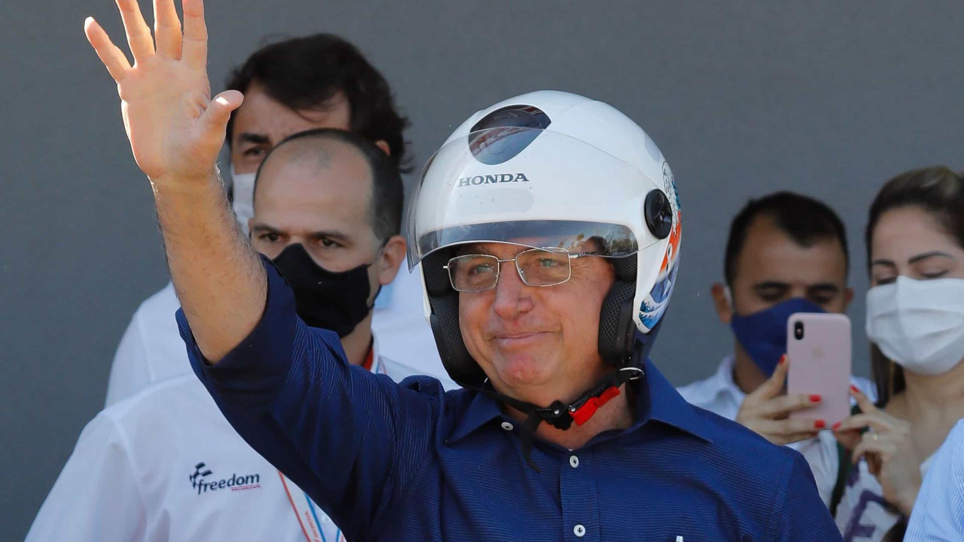 Bolsonaro já adota tom de campanha em viagens