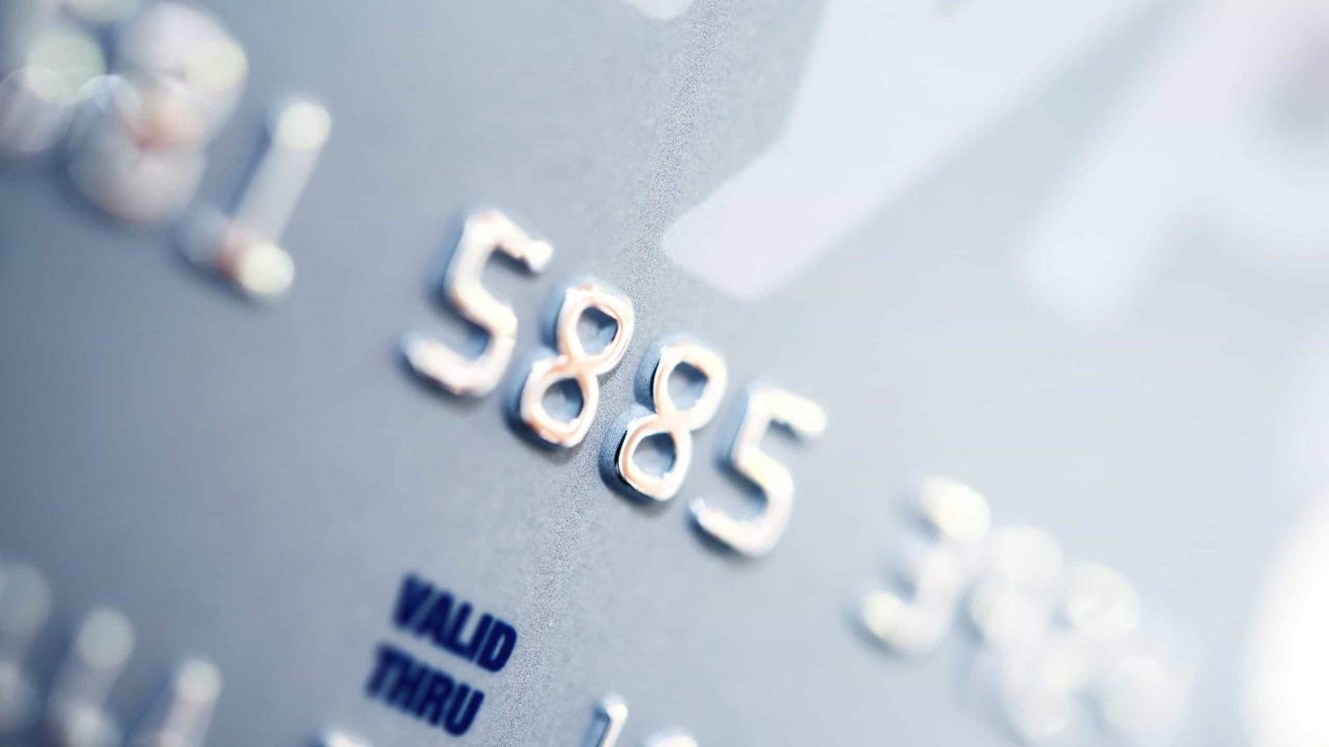Procon-SP alerta para golpe da troca de cartão bancário