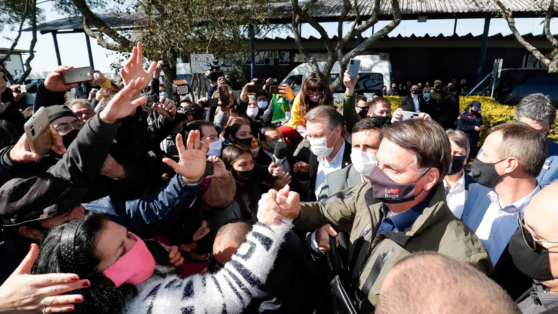 Visita de Bolsonaro provoca aglomeração em Bagé, no RS