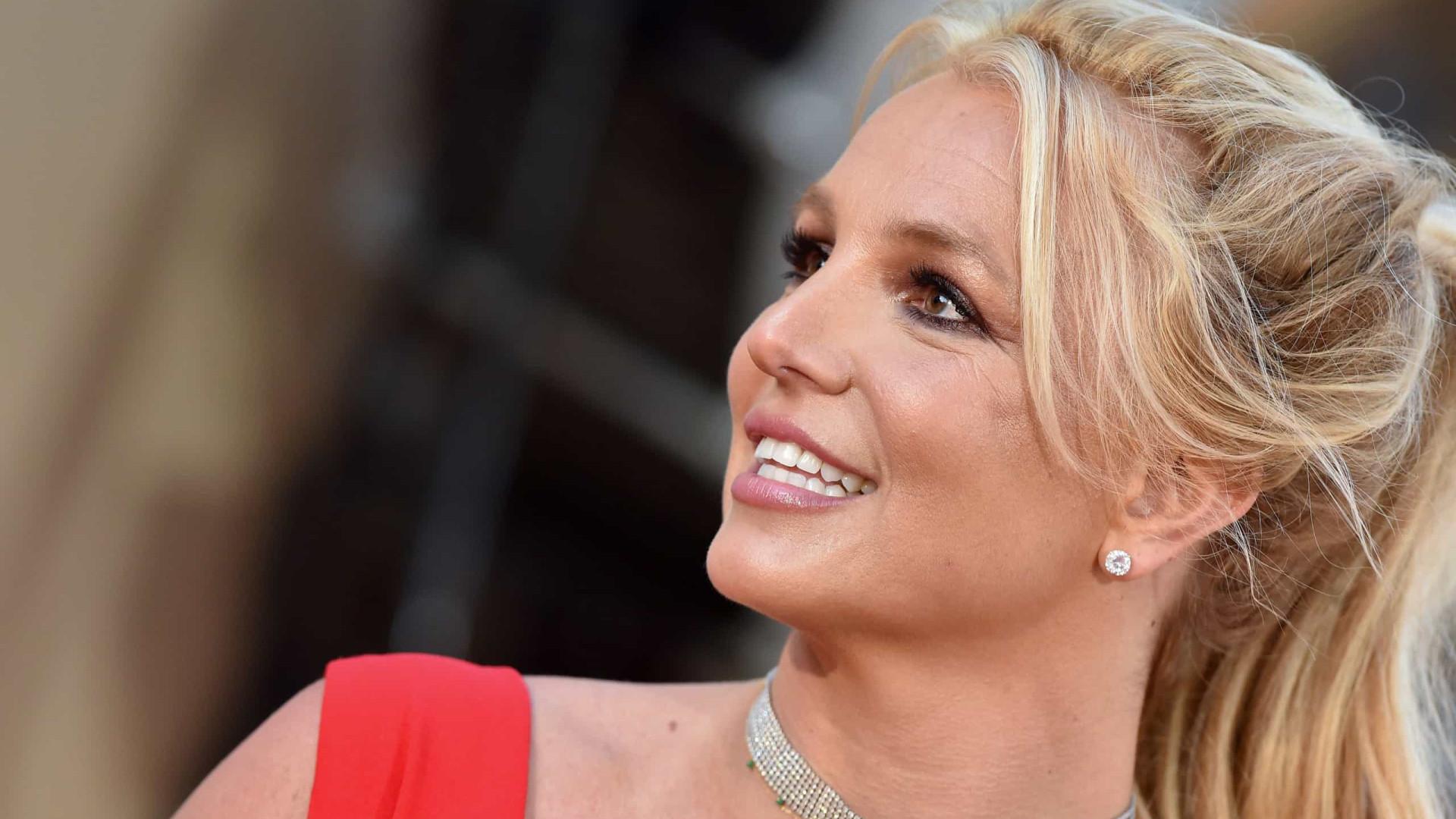 Ex-marido de Britney Spears afirma querer cantora 'feliz e saudável'