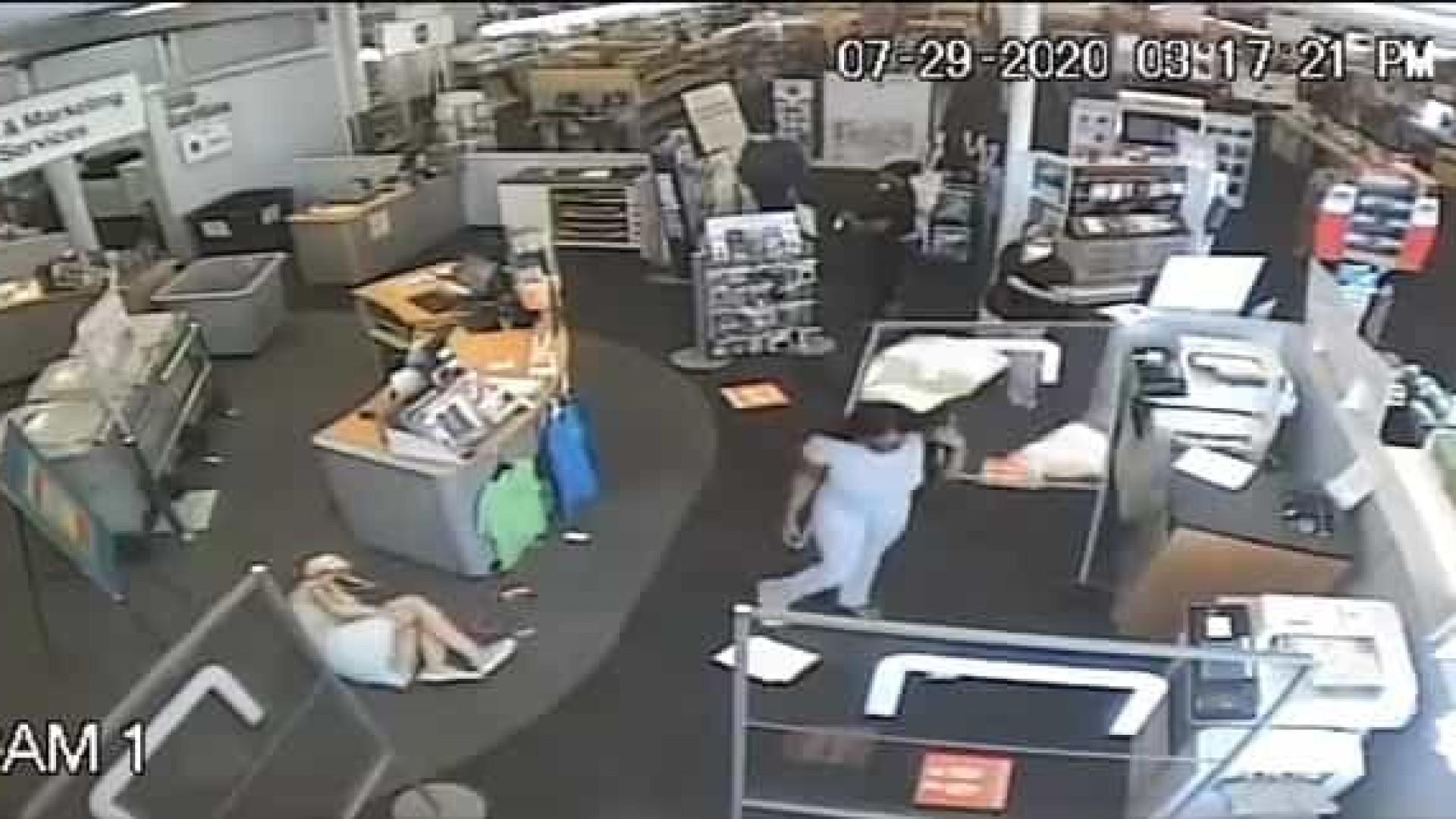 Mulher é atacada em loja ao pedir a outra cliente que usasse máscara