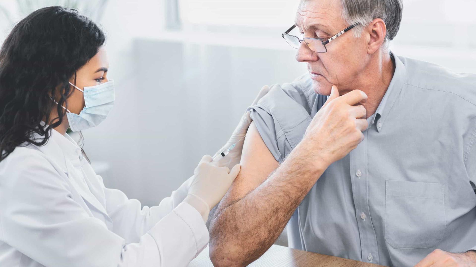 OMS recomenda vacinação contra gripe para ajudar combate contra covid