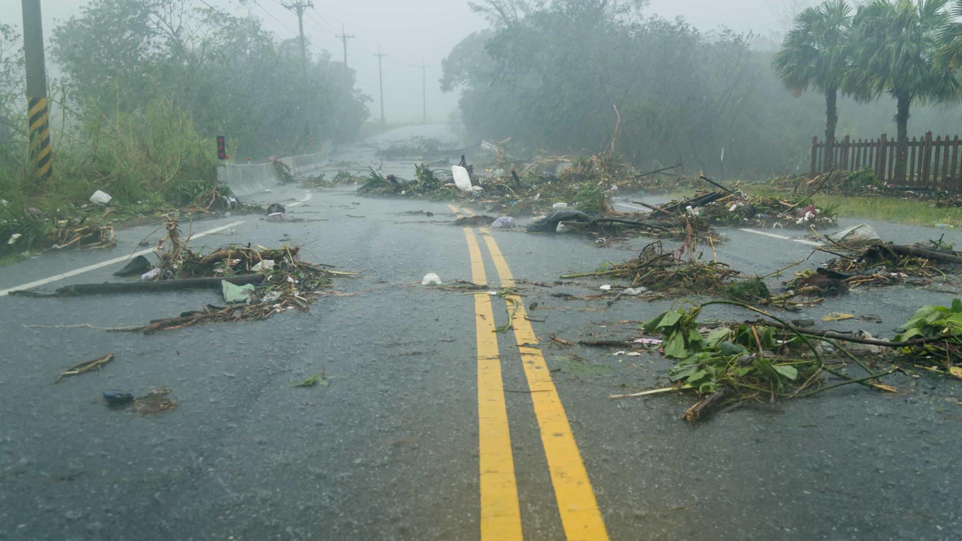 A caminho de Nova York, tempestade Isaías deixa um morto nos EUA