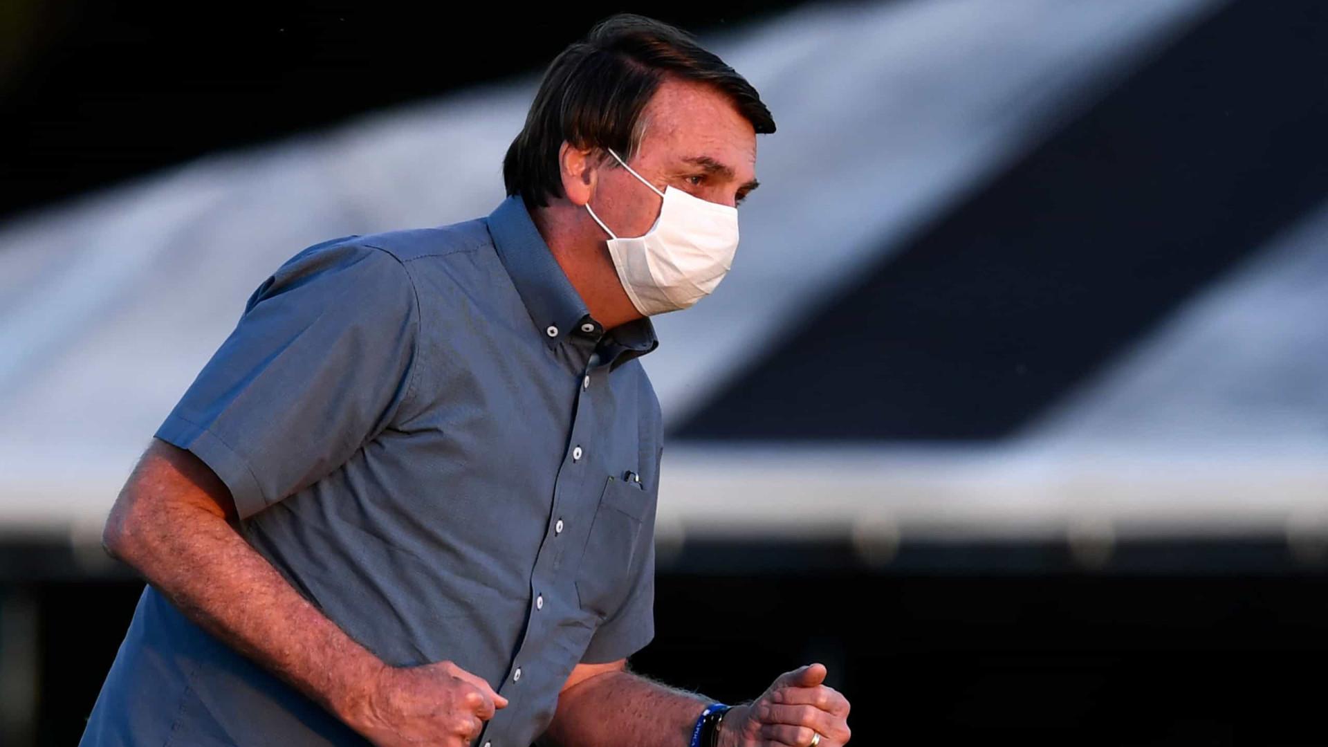 Bolsonaro terá de consolidar apoio após fim do auxílio, dizem analistas