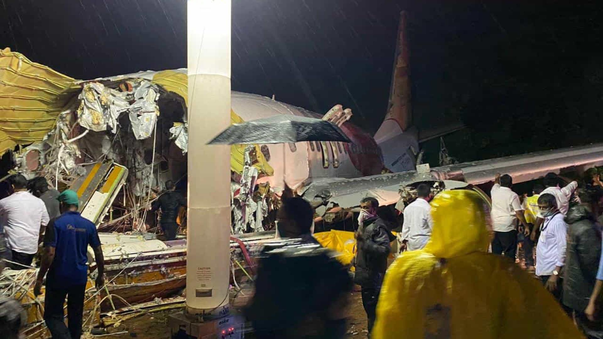 Pelo menos 14 mortos e mais de 100 feridos após acidente com avião