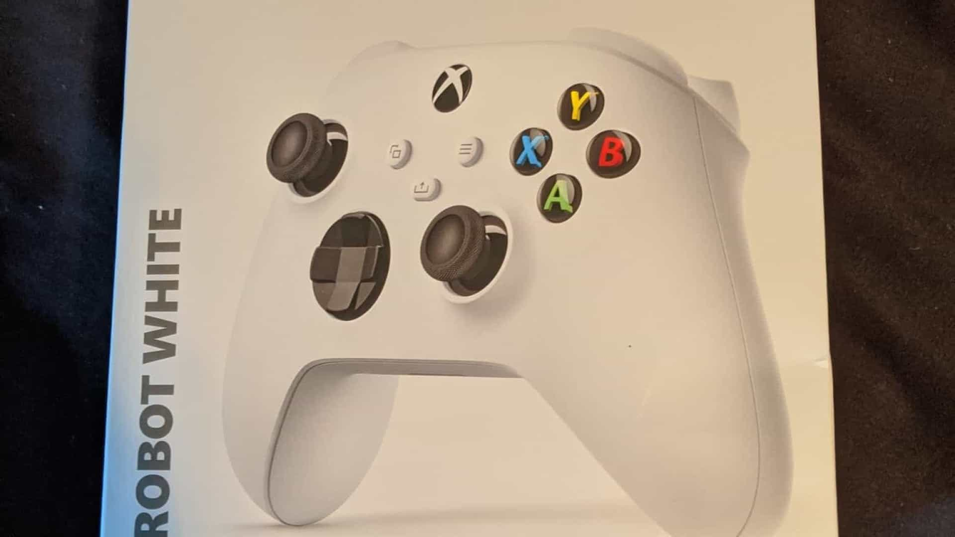 Imagem do comando confirma segundo modelo do novo Xbox