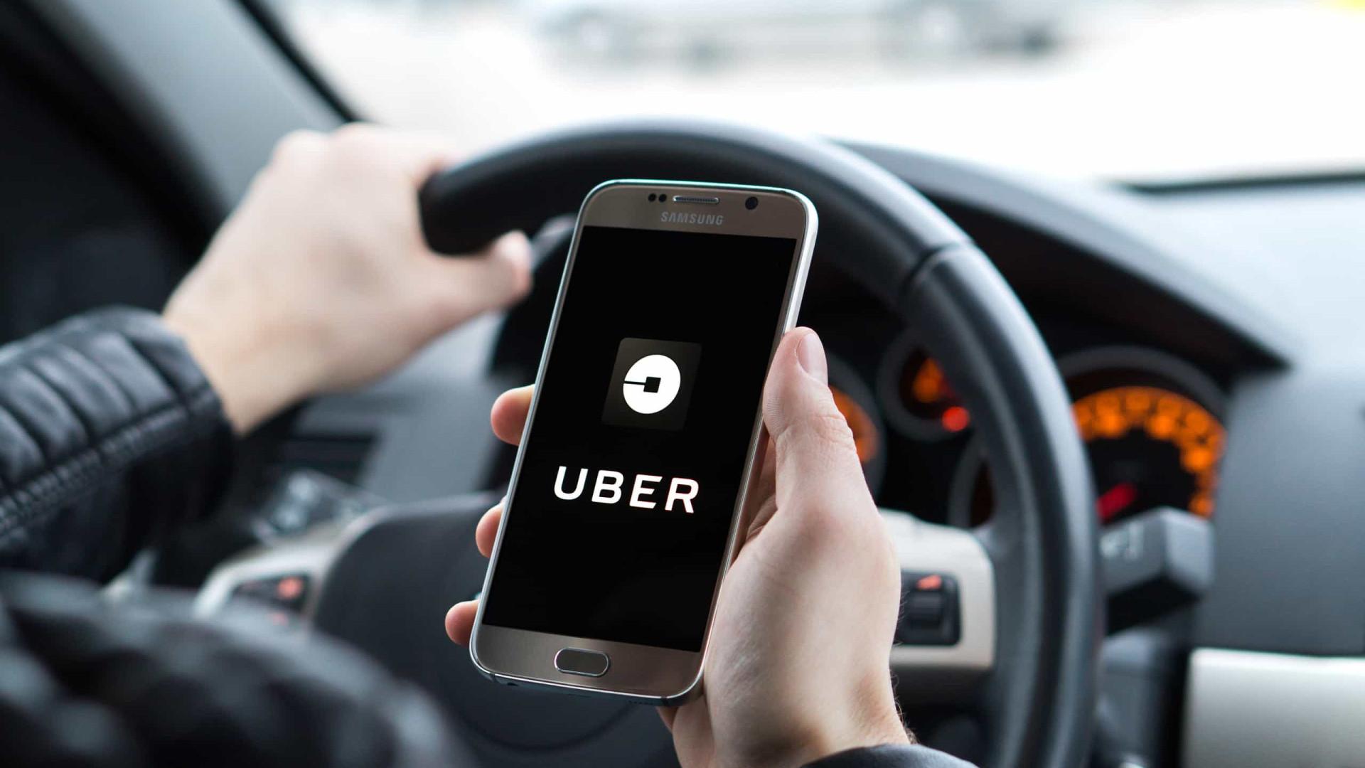 Motoristas reclamam de reajustes de apps