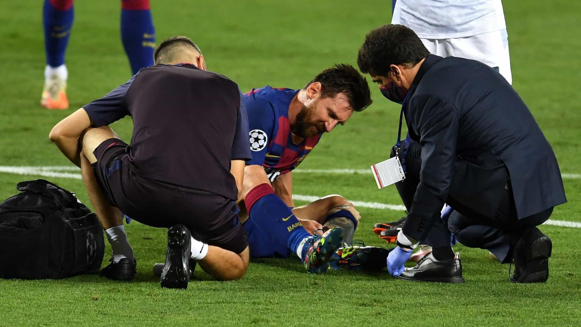 Com proteção na perna, Messi treina e deixa de ser dúvida no Barcelona
