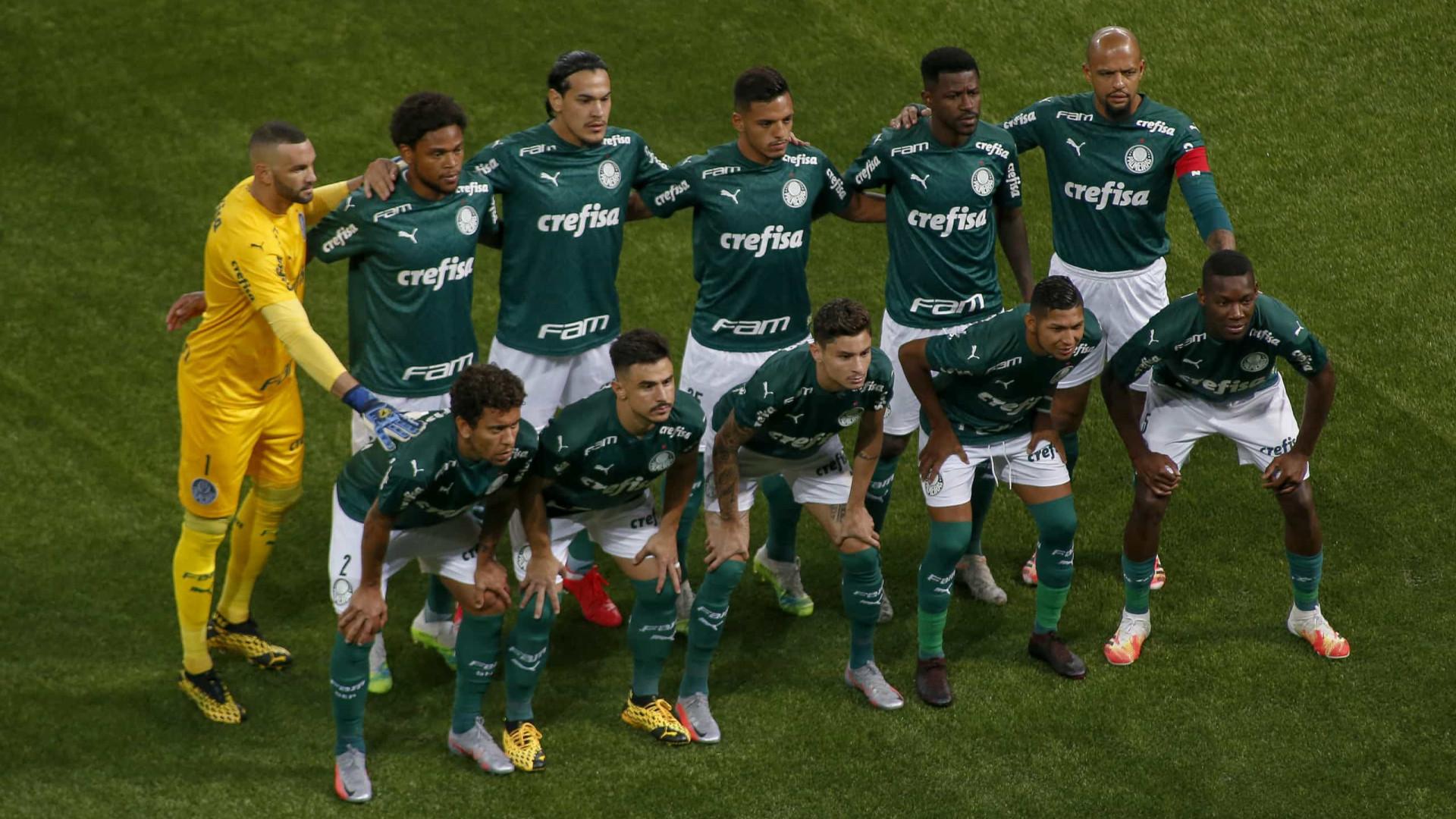 Palmeiras vai ao Sul para aproveitar crise do Grêmio e encostar nos líderes