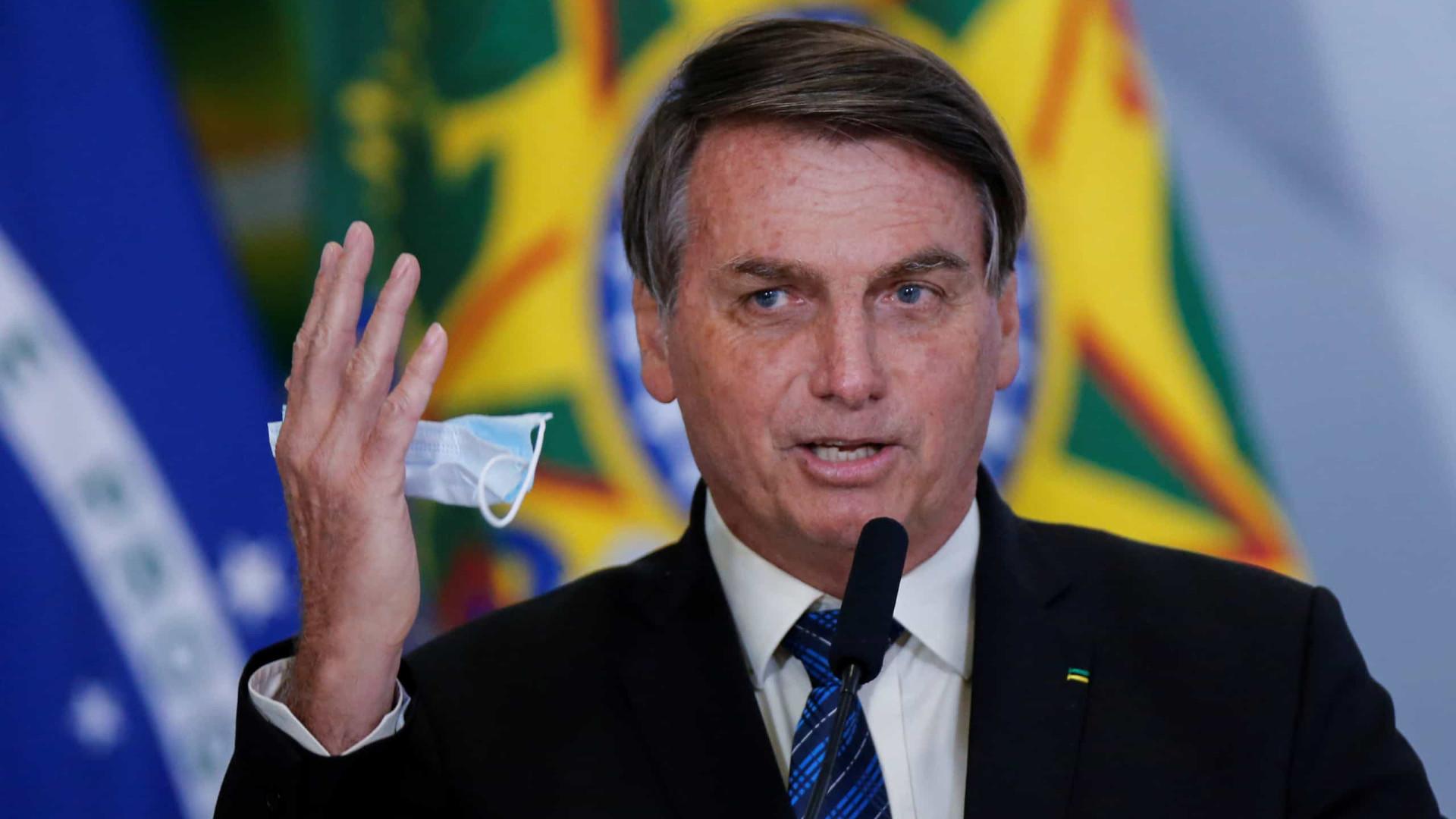 Bolsonaro pede a ministro da Educação para preparar volta às aulas