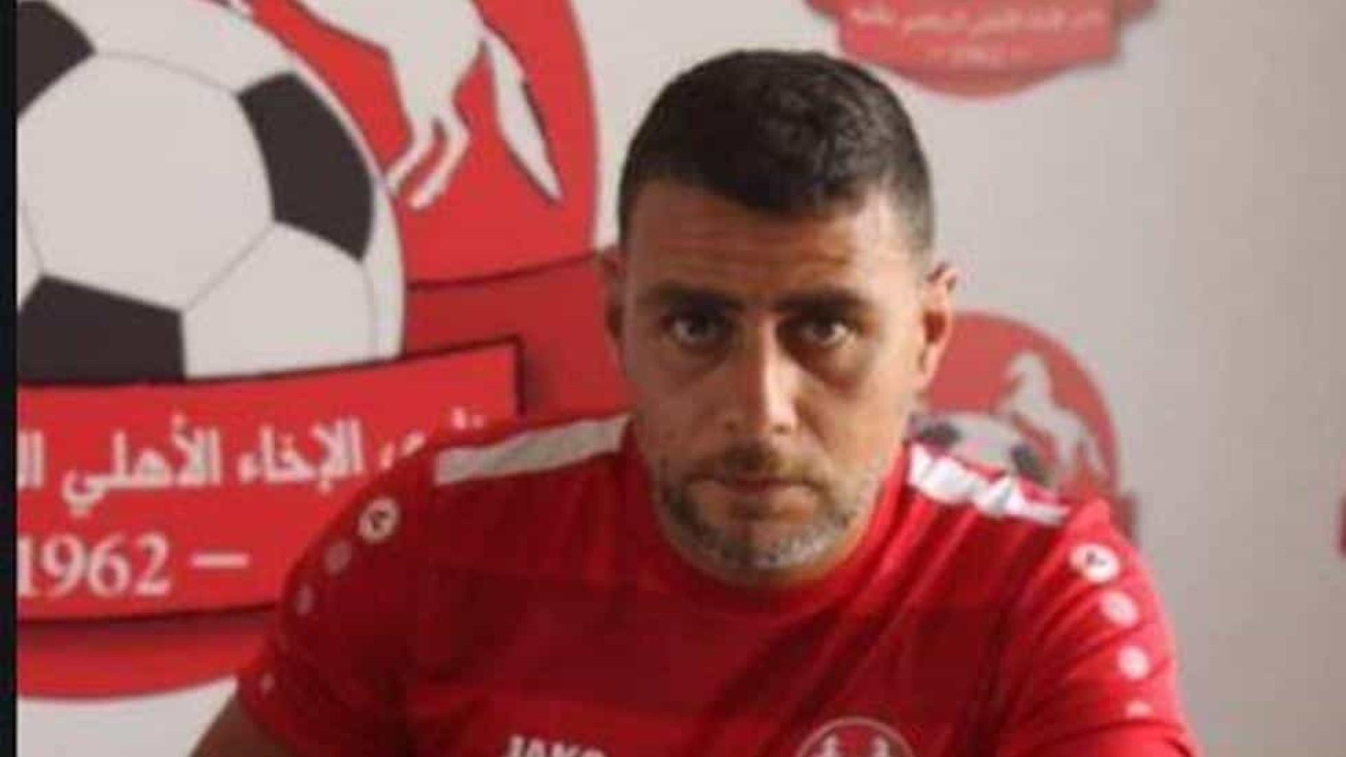 Jogador de futebol baleado durante funeral em Beirut morre no hospital