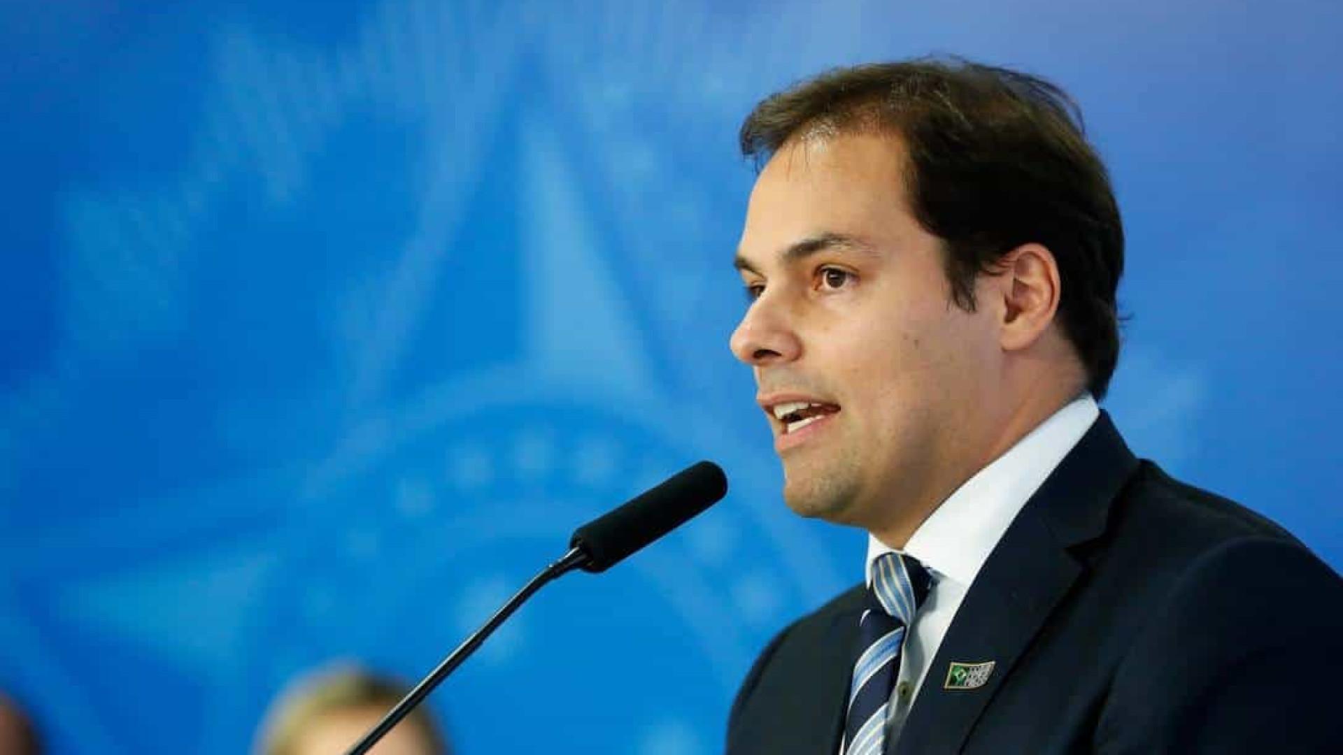 'Não se pode esperar para cortar privilégio', diz Paulo Uebel