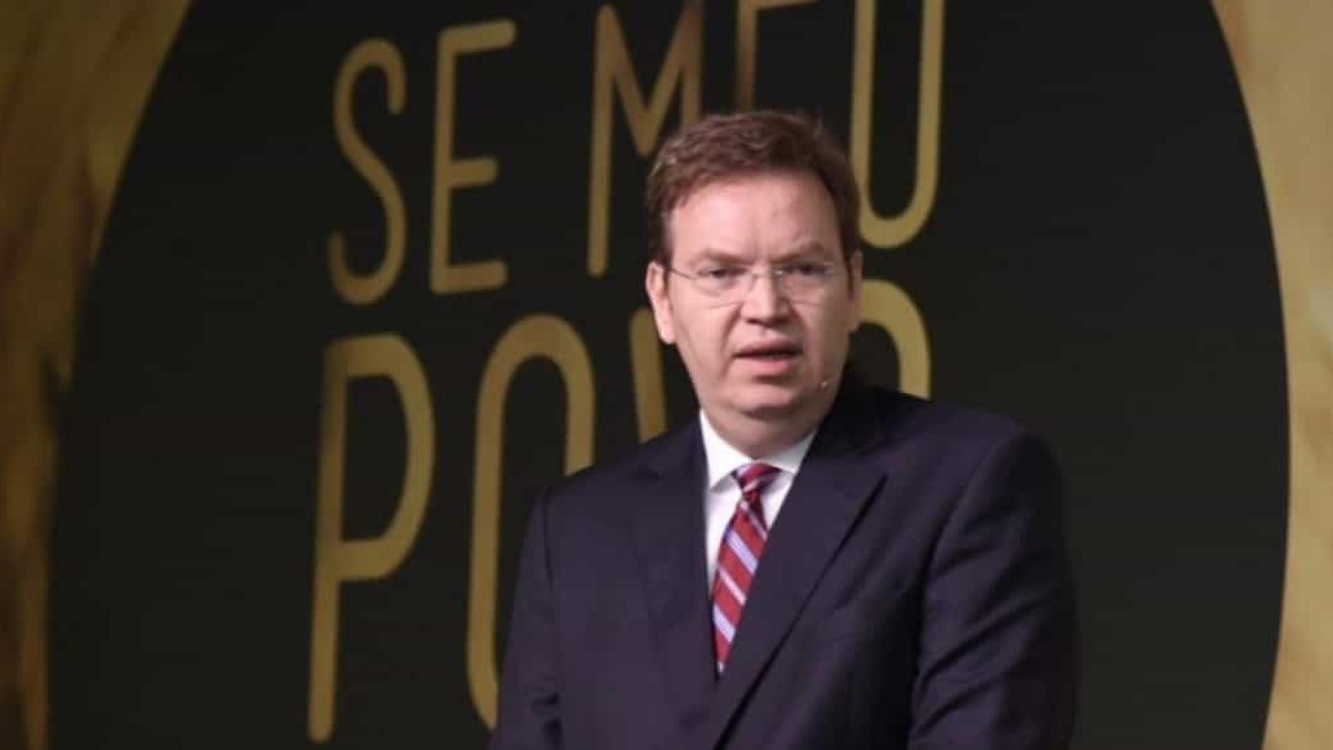 Investigado, Flávio tenta aproximar Bolsonaro de juiz evangélico por vaga no STF