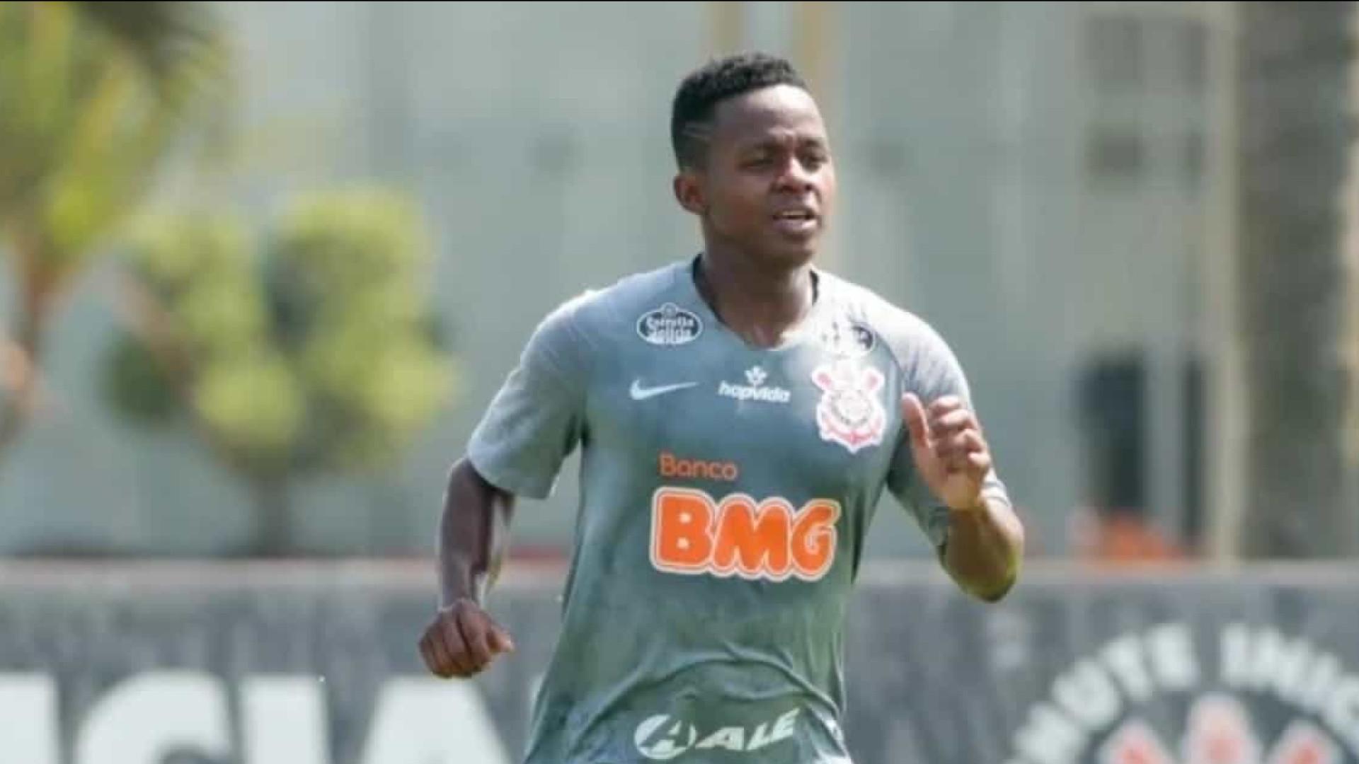 Embalado, Corinthians vence e afunda o Botafogo na zona de rebaixamento