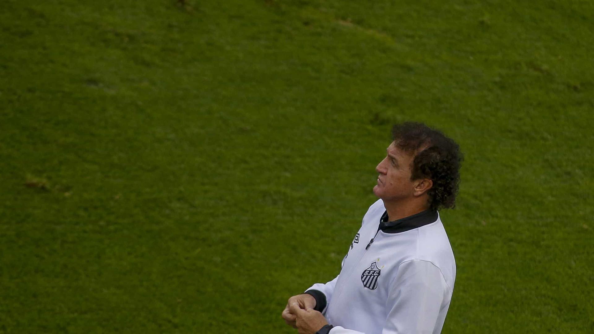 Cuca descarta poupar titulares do Santos diante do Bahia