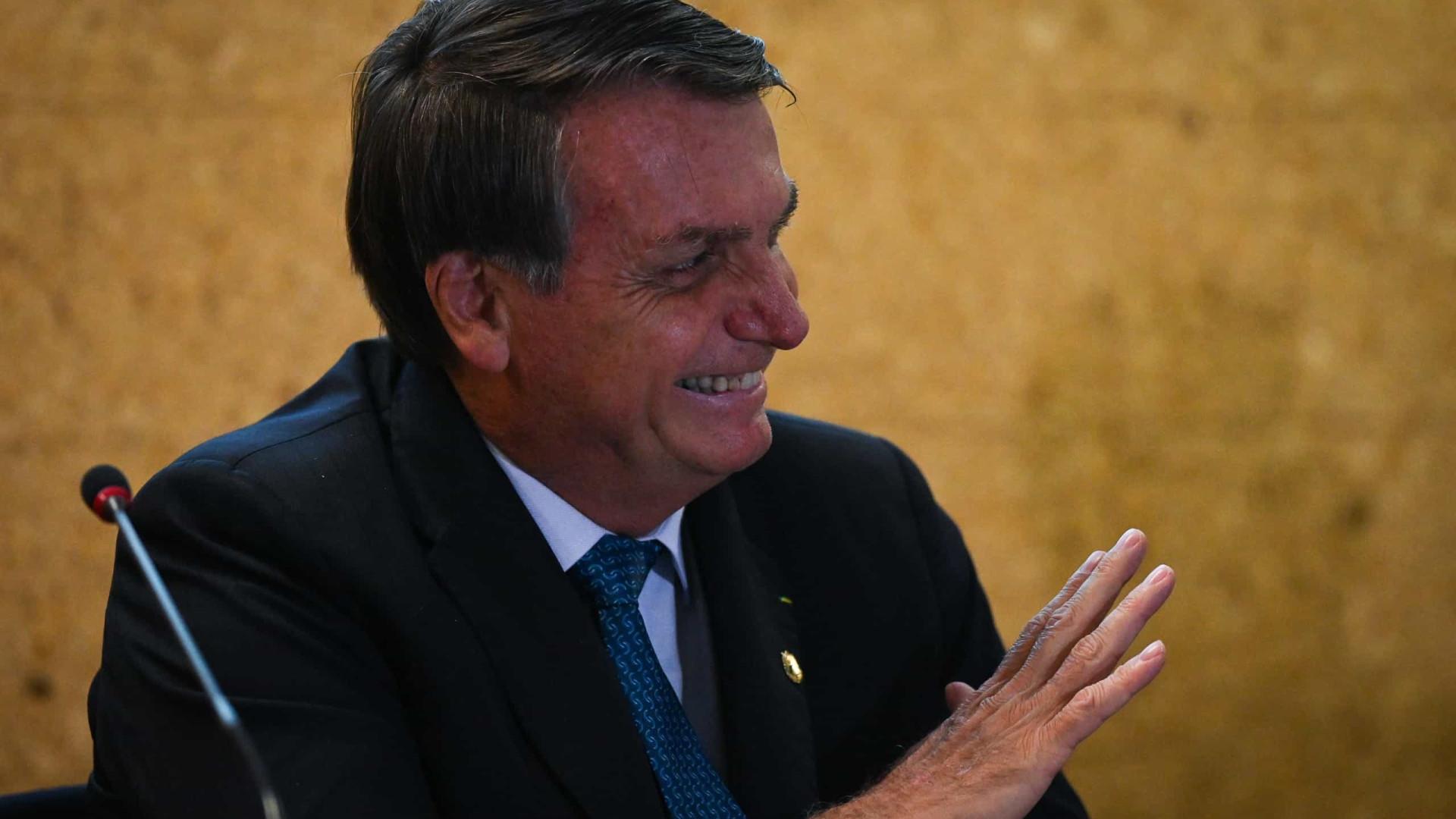 Bolsonaro indica 10 novos vice-líderes do governo e dispensa Zambelli