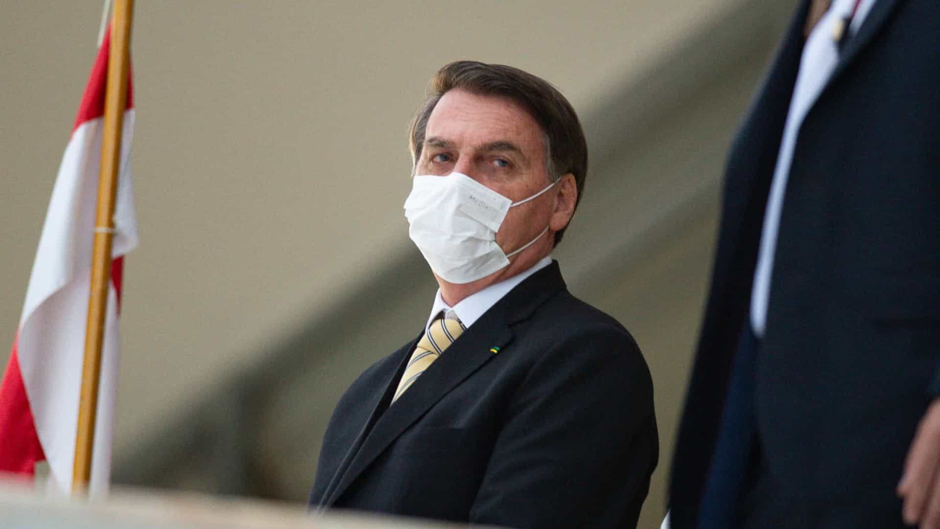 Em campanha por Lira, Bolsonaro recebe em um só dia 8 deputados