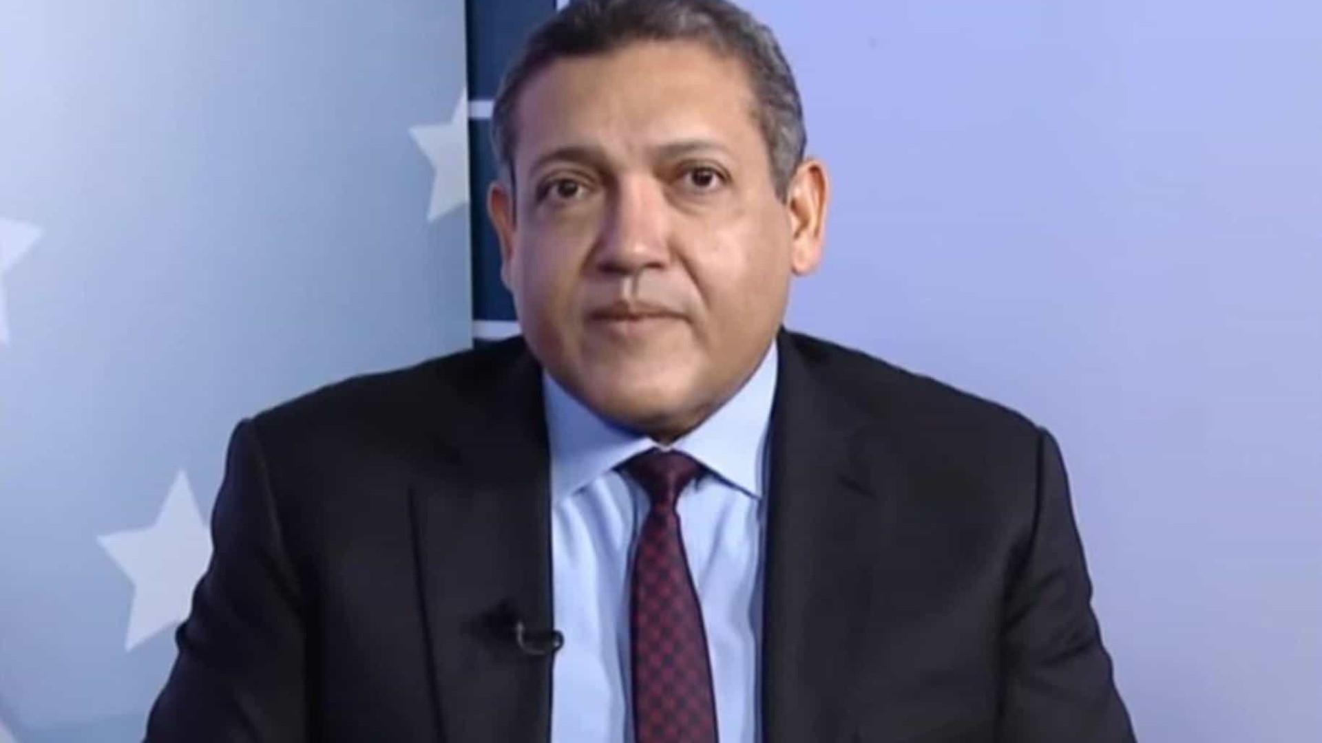 Senadores questionam exageros em currículo, e indicado por Bolsonaro ao STF defende lisura