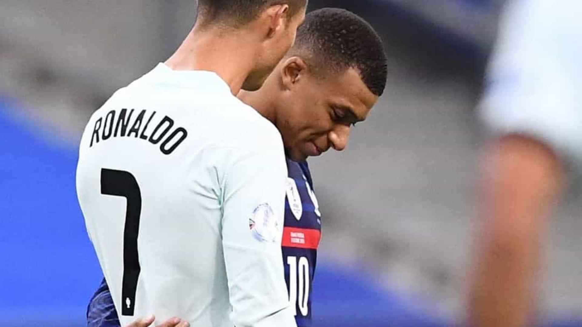 """Mbappé deixa mensagem ao """"ídolo"""" Cristiano Ronaldo"""