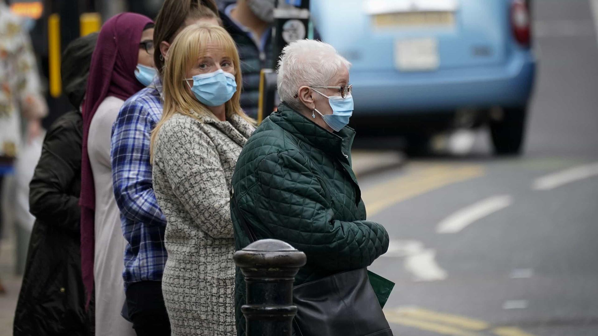 Covid-19. Reino Unido reporta 18.980 novos casos e mais 138 mortes
