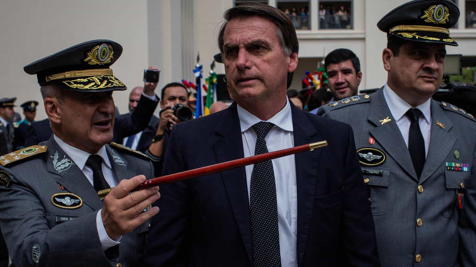 No Rio, Bolsonaro participa de formatura de cadetes das Agulhas Negras